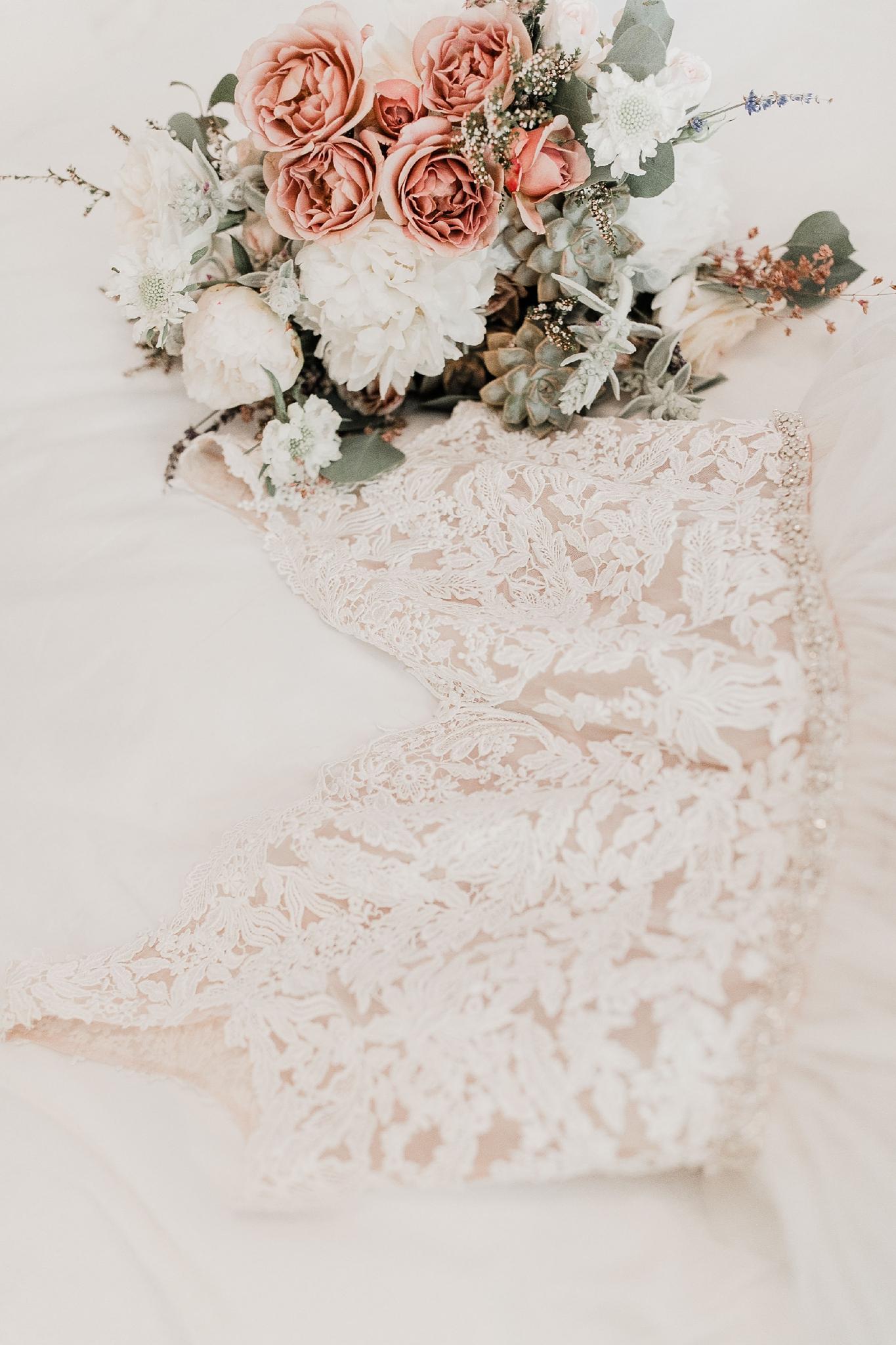 Alicia+lucia+photography+-+albuquerque+wedding+photographer+-+santa+fe+wedding+photography+-+new+mexico+wedding+photographer+-+new+mexico+wedding+-+summer+wedding+-+summer+wedding+florals+-+southwest+wedding_0056.jpg