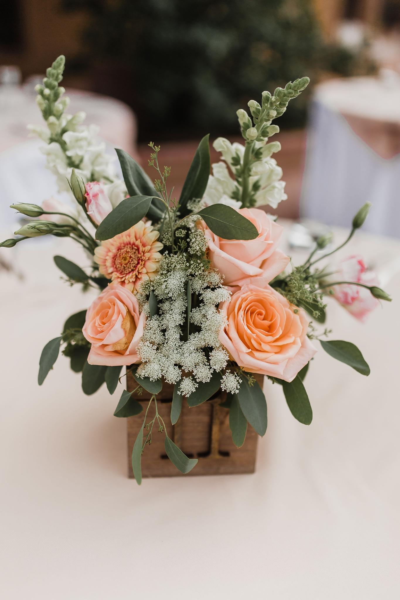 Alicia+lucia+photography+-+albuquerque+wedding+photographer+-+santa+fe+wedding+photography+-+new+mexico+wedding+photographer+-+new+mexico+wedding+-+summer+wedding+-+summer+wedding+florals+-+southwest+wedding_0096.jpg