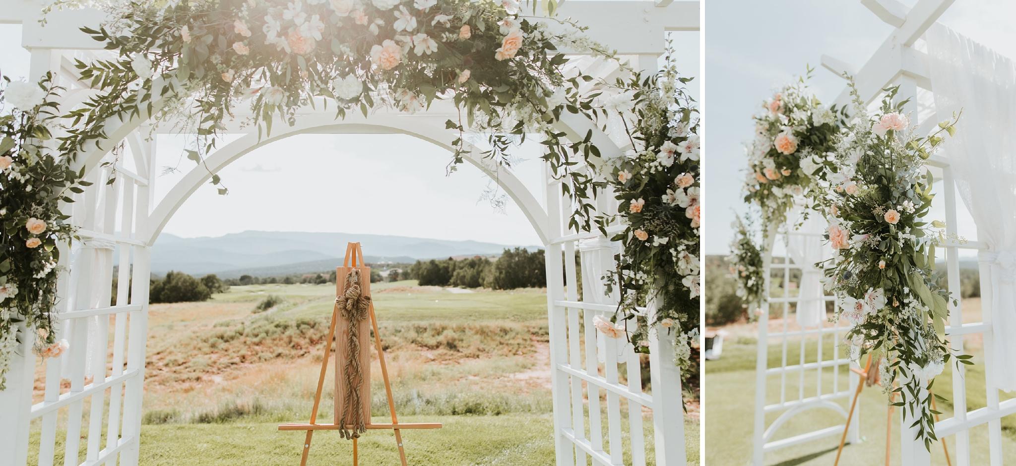 Alicia+lucia+photography+-+albuquerque+wedding+photographer+-+santa+fe+wedding+photography+-+new+mexico+wedding+photographer+-+new+mexico+wedding+-+summer+wedding+-+summer+wedding+florals+-+southwest+wedding_0118.jpg