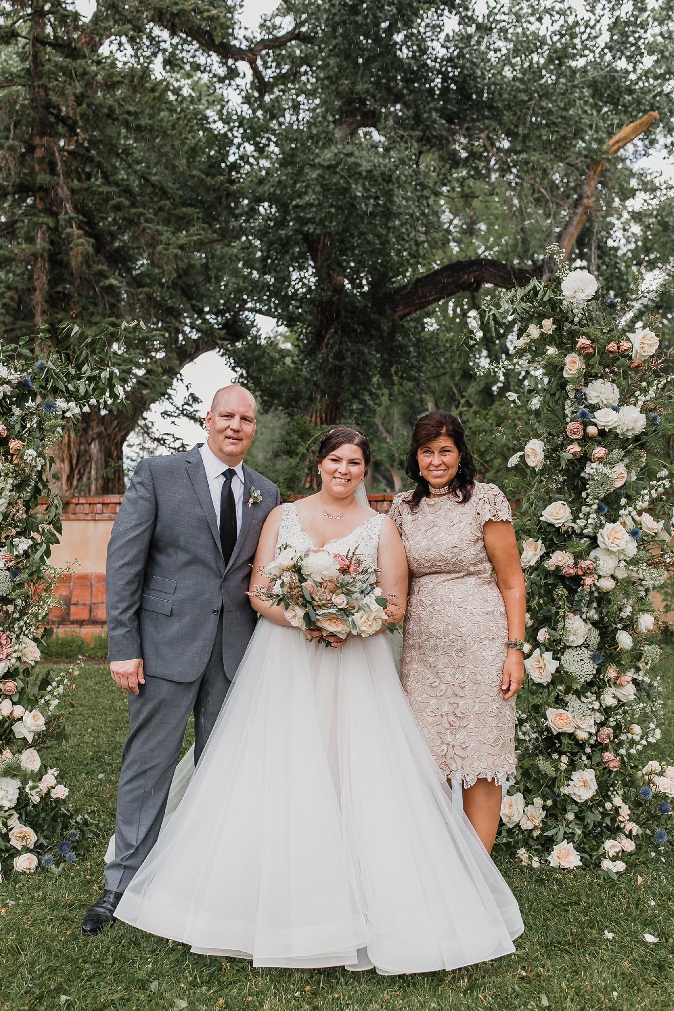 Alicia+lucia+photography+-+albuquerque+wedding+photographer+-+santa+fe+wedding+photography+-+new+mexico+wedding+photographer+-+new+mexico+wedding+-+summer+wedding+-+los+poblanos+wedding+-+albuquerque+wedding_0045.jpg