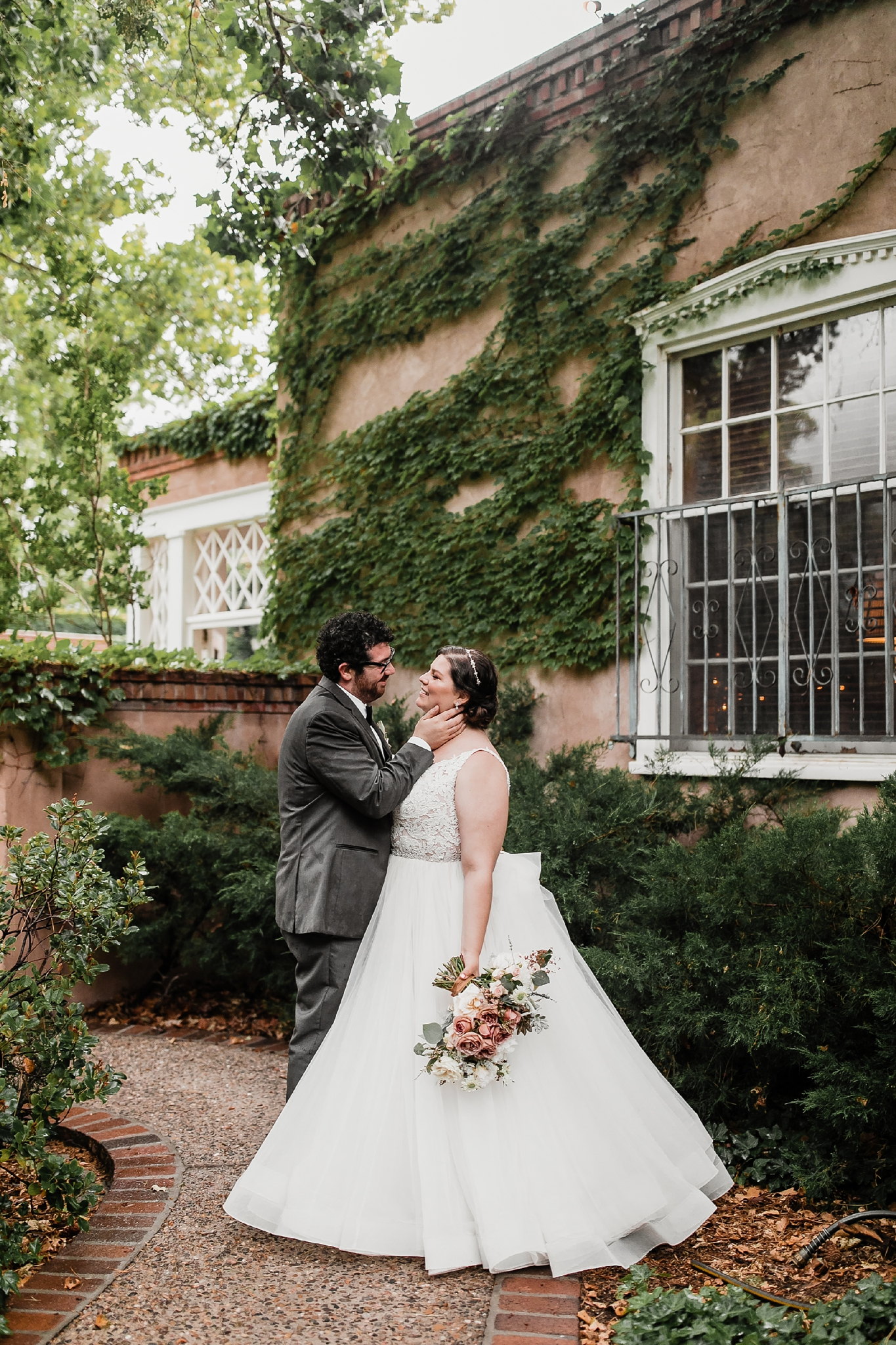 Alicia+lucia+photography+-+albuquerque+wedding+photographer+-+santa+fe+wedding+photography+-+new+mexico+wedding+photographer+-+new+mexico+wedding+-+summer+wedding+-+los+poblanos+wedding+-+albuquerque+wedding_0077.jpg