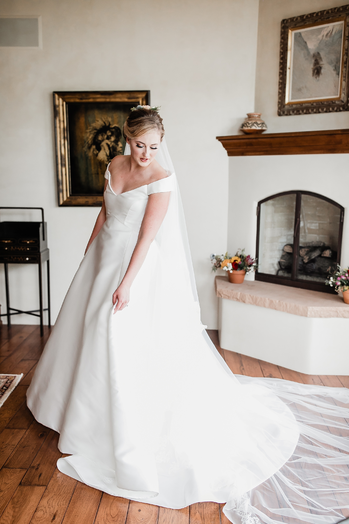 Alicia+lucia+photography+-+albuquerque+wedding+photographer+-+santa+fe+wedding+photography+-+new+mexico+wedding+photographer+-+new+mexico+wedding+-+las+campanas+wedding+-+santa+fe+wedding+-+maximalist+wedding+-+destination+wedding_0018.jpg