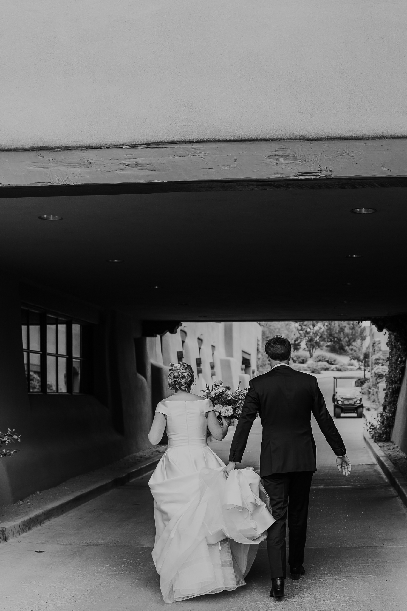 Alicia+lucia+photography+-+albuquerque+wedding+photographer+-+santa+fe+wedding+photography+-+new+mexico+wedding+photographer+-+new+mexico+wedding+-+las+campanas+wedding+-+santa+fe+wedding+-+maximalist+wedding+-+destination+wedding_0089.jpg
