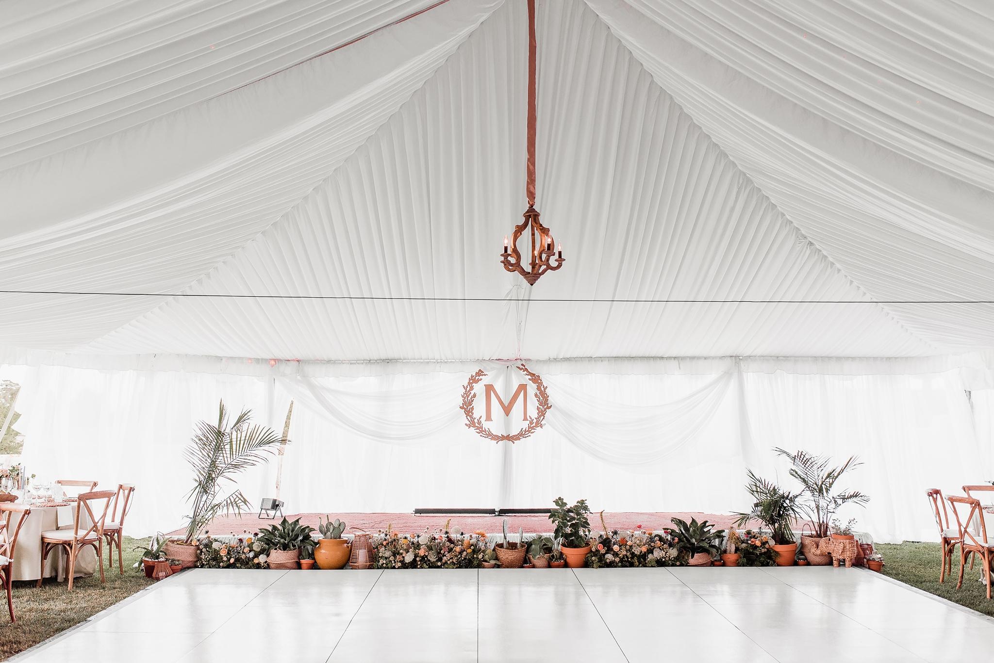 Alicia+lucia+photography+-+albuquerque+wedding+photographer+-+santa+fe+wedding+photography+-+new+mexico+wedding+photographer+-+new+mexico+wedding+-+las+campanas+wedding+-+santa+fe+wedding+-+maximalist+wedding+-+destination+wedding_0126.jpg