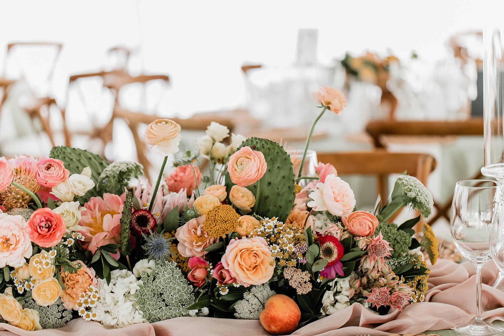 Alicia+lucia+photography+-+albuquerque+wedding+photographer+-+santa+fe+wedding+photography+-+new+mexico+wedding+photographer+-+new+mexico+wedding+-+las+campanas+wedding+-+santa+fe+wedding+-+maximalist+wedding+-+destination+wedding_0127.jpg