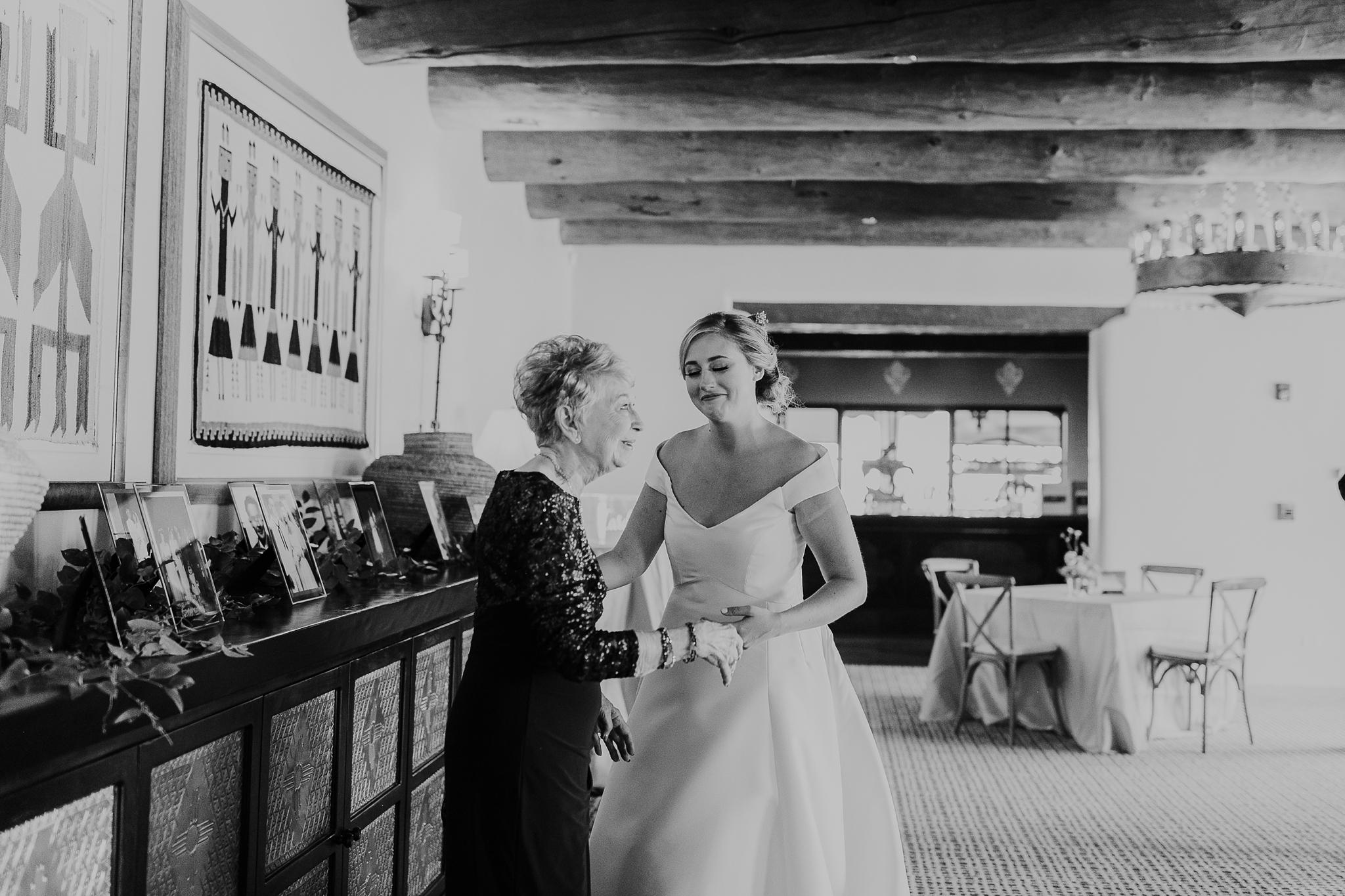 Alicia+lucia+photography+-+albuquerque+wedding+photographer+-+santa+fe+wedding+photography+-+new+mexico+wedding+photographer+-+new+mexico+wedding+-+las+campanas+wedding+-+santa+fe+wedding+-+maximalist+wedding+-+destination+wedding_0135.jpg