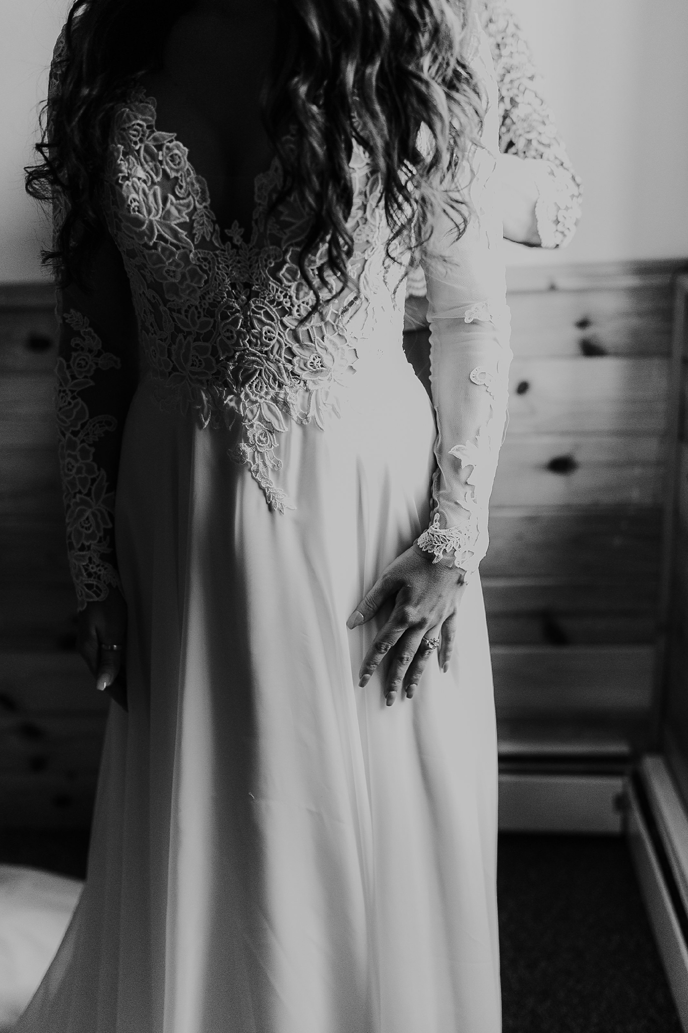 Alicia+lucia+photography+-+albuquerque+wedding+photographer+-+santa+fe+wedding+photography+-+new+mexico+wedding+photographer+-+new+mexico+wedding+-+wedding+gowns+-+bridal+gowns+-+a+line+wedding+gown_0009.jpg