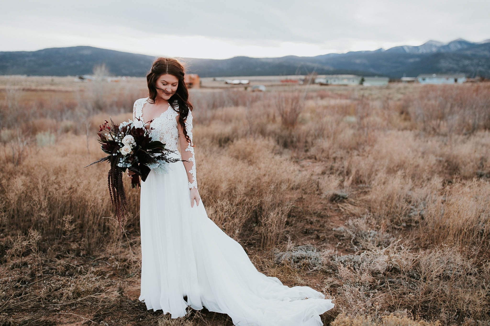 Alicia+lucia+photography+-+albuquerque+wedding+photographer+-+santa+fe+wedding+photography+-+new+mexico+wedding+photographer+-+new+mexico+wedding+-+wedding+gowns+-+bridal+gowns+-+a+line+wedding+gown_0011.jpg