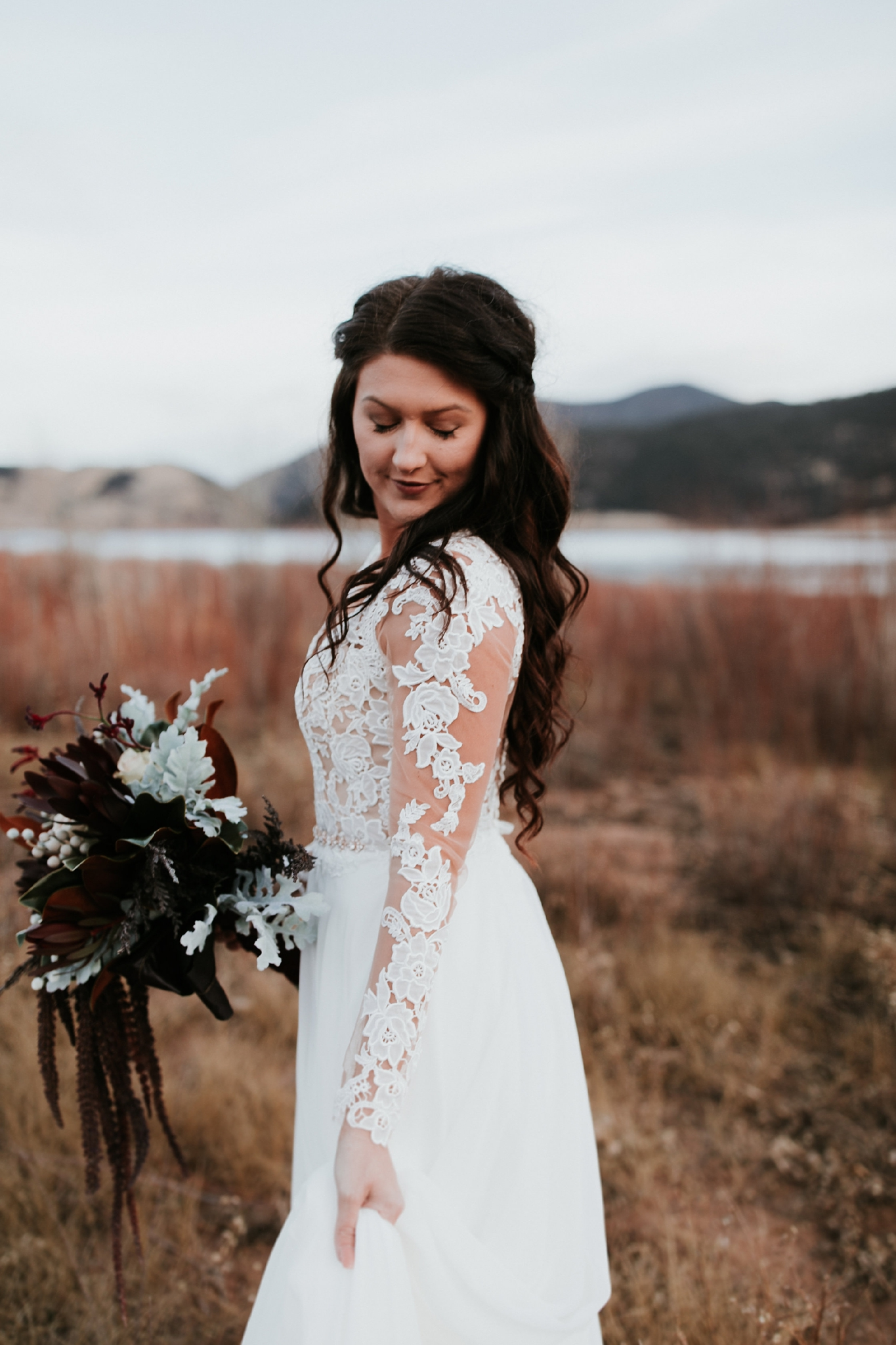 Alicia+lucia+photography+-+albuquerque+wedding+photographer+-+santa+fe+wedding+photography+-+new+mexico+wedding+photographer+-+new+mexico+wedding+-+wedding+gowns+-+bridal+gowns+-+a+line+wedding+gown_0013.jpg