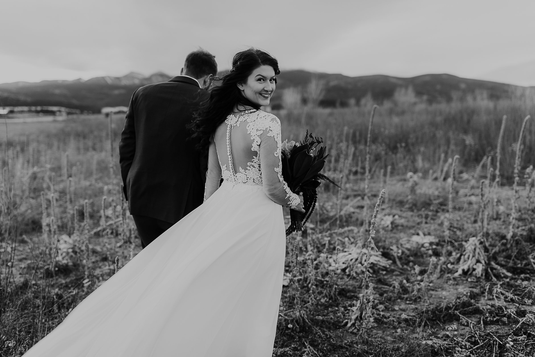 Alicia+lucia+photography+-+albuquerque+wedding+photographer+-+santa+fe+wedding+photography+-+new+mexico+wedding+photographer+-+new+mexico+wedding+-+wedding+gowns+-+bridal+gowns+-+a+line+wedding+gown_0014.jpg