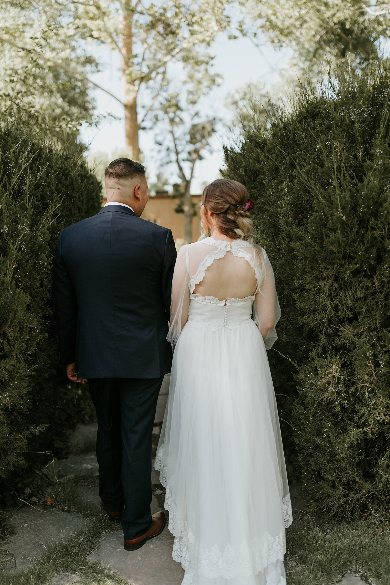 Alicia+lucia+photography+-+albuquerque+wedding+photographer+-+santa+fe+wedding+photography+-+new+mexico+wedding+photographer+-+new+mexico+wedding+-+wedding+gowns+-+bridal+gowns+-+a+line+wedding+gown_0031.jpg