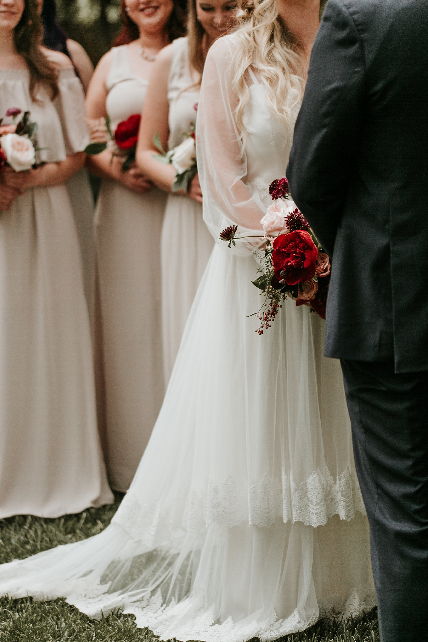 Alicia+lucia+photography+-+albuquerque+wedding+photographer+-+santa+fe+wedding+photography+-+new+mexico+wedding+photographer+-+new+mexico+wedding+-+wedding+gowns+-+bridal+gowns+-+a+line+wedding+gown_0033.jpg