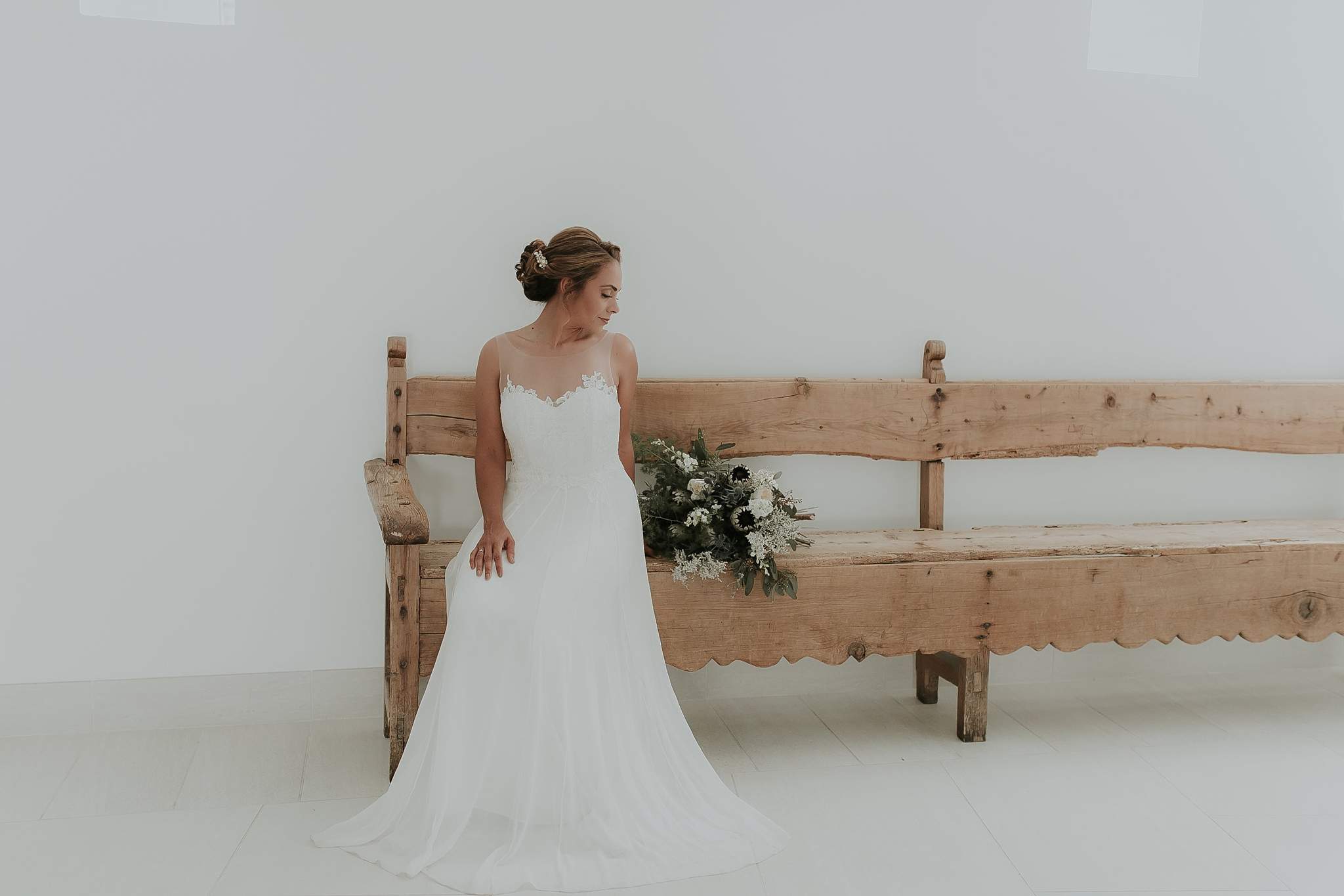Alicia+lucia+photography+-+albuquerque+wedding+photographer+-+santa+fe+wedding+photography+-+new+mexico+wedding+photographer+-+new+mexico+wedding+-+wedding+gowns+-+bridal+gowns+-+a+line+wedding+gown_0077.jpg