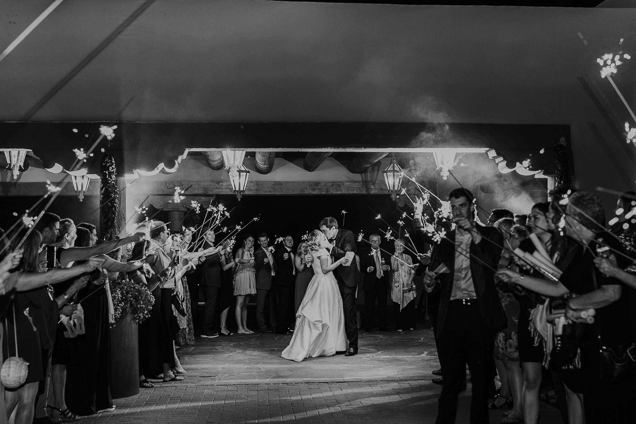 Alicia+lucia+photography+-+albuquerque+wedding+photographer+-+santa+fe+wedding+photography+-+new+mexico+wedding+photographer+-+new+mexico+wedding+-+las+campanas+wedding+-+santa+fe+wedding+-+maximalist+wedding+-+destination+wedding_0164.jpg
