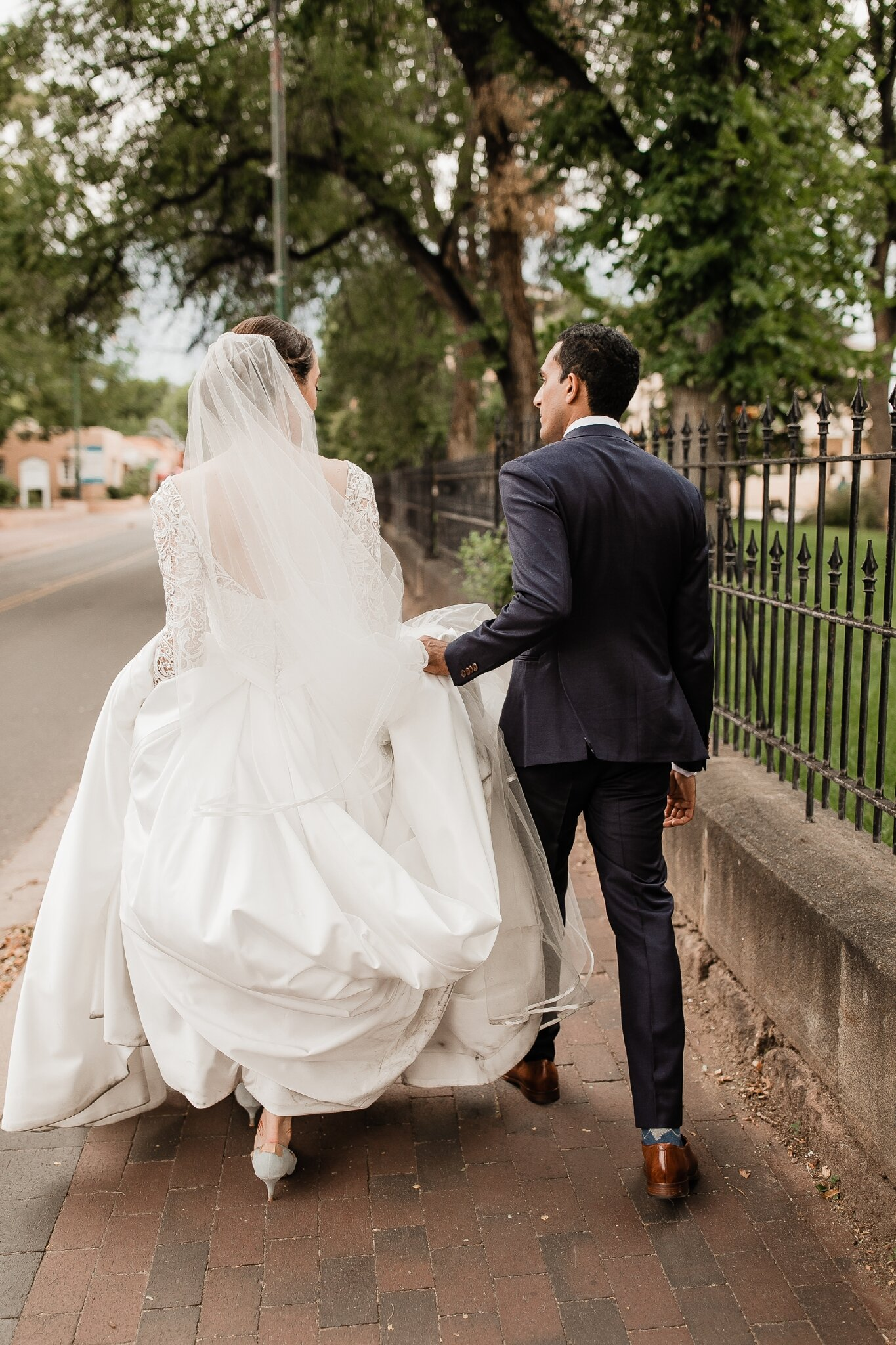 Alicia+lucia+photography+-+albuquerque+wedding+photographer+-+santa+fe+wedding+photography+-+new+mexico+wedding+photographer+-+new+mexico+wedding+-+hindu+wedding+-+catholic+wedding+-+multicultural+wedding+-+santa+fe+wedding_0085.jpg