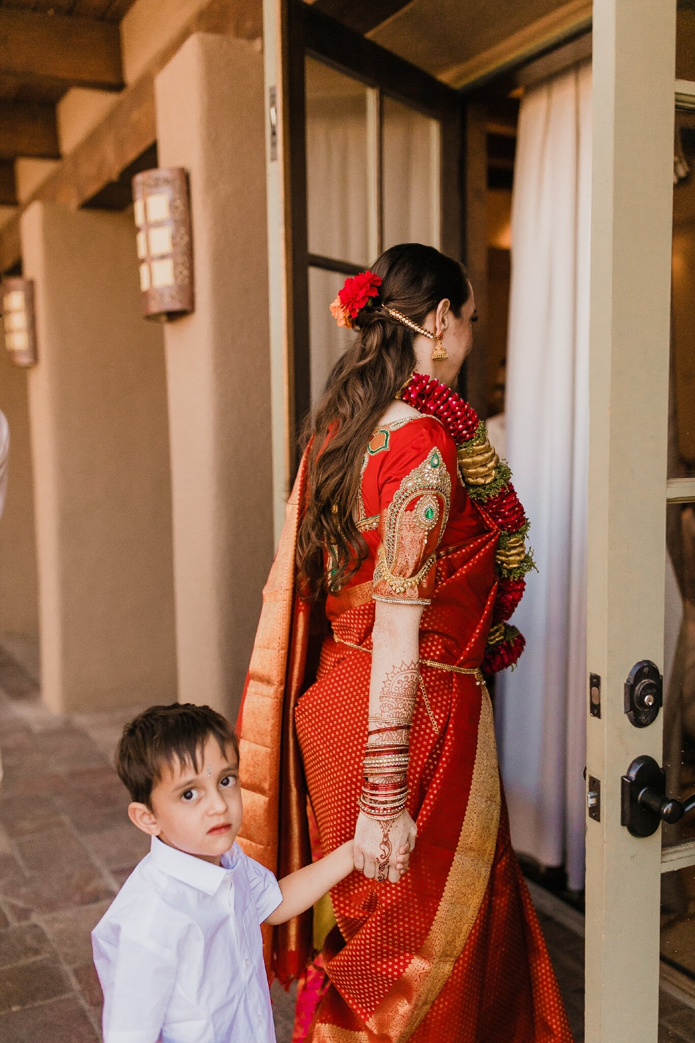 Alicia+lucia+photography+-+albuquerque+wedding+photographer+-+santa+fe+wedding+photography+-+new+mexico+wedding+photographer+-+new+mexico+wedding+-+hindu+wedding+-+catholic+wedding+-+multicultural+wedding+-+santa+fe+wedding_0196.jpg