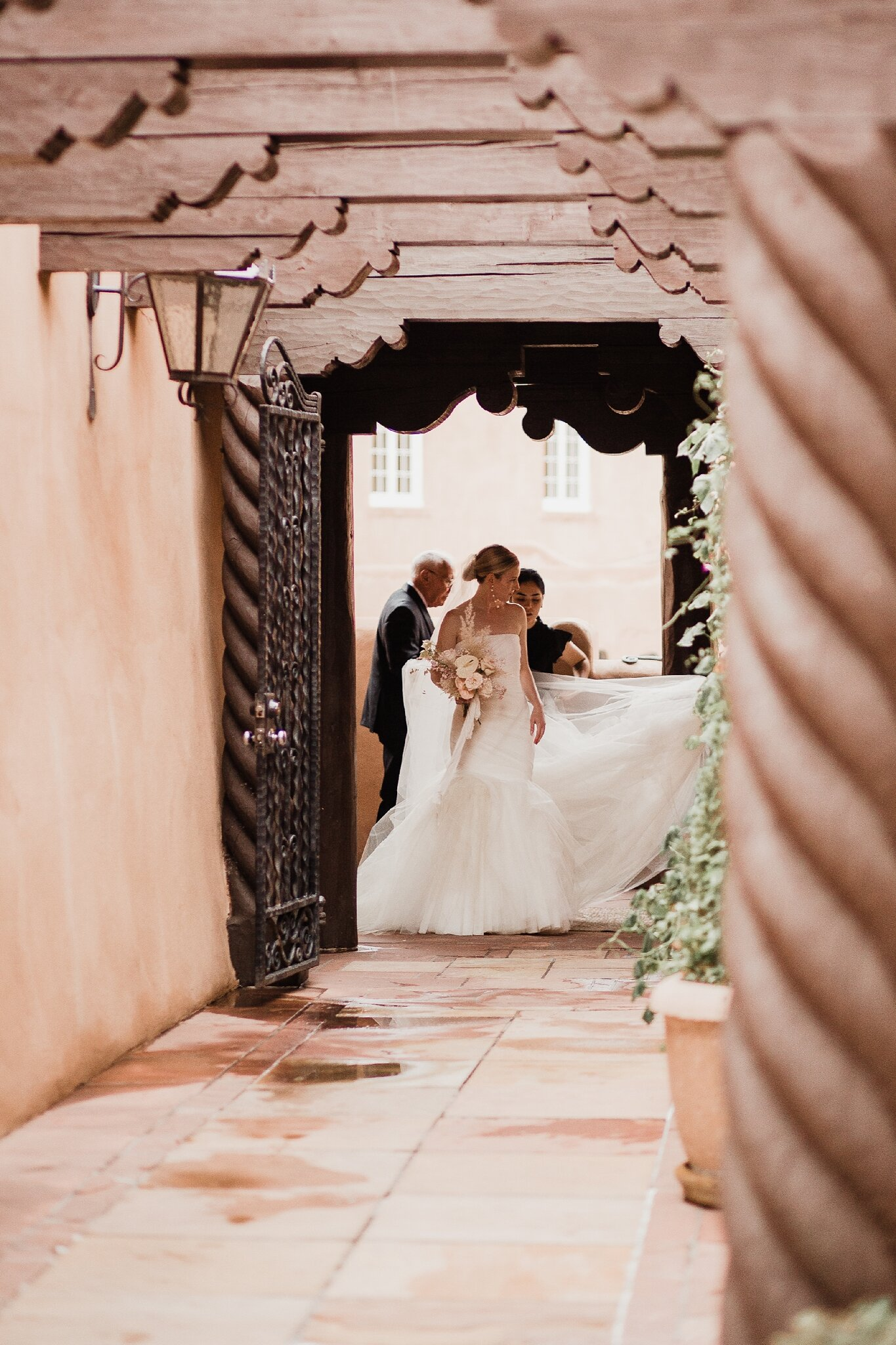 Alicia+lucia+photography+-+albuquerque+wedding+photographer+-+santa+fe+wedding+photography+-+new+mexico+wedding+photographer+-+new+mexico+wedding+-+la+fonda+wedding+-+la+fonda+on+the+plaza+-+santa+fe+wedding+-+brooklyn+bride_0044.jpg