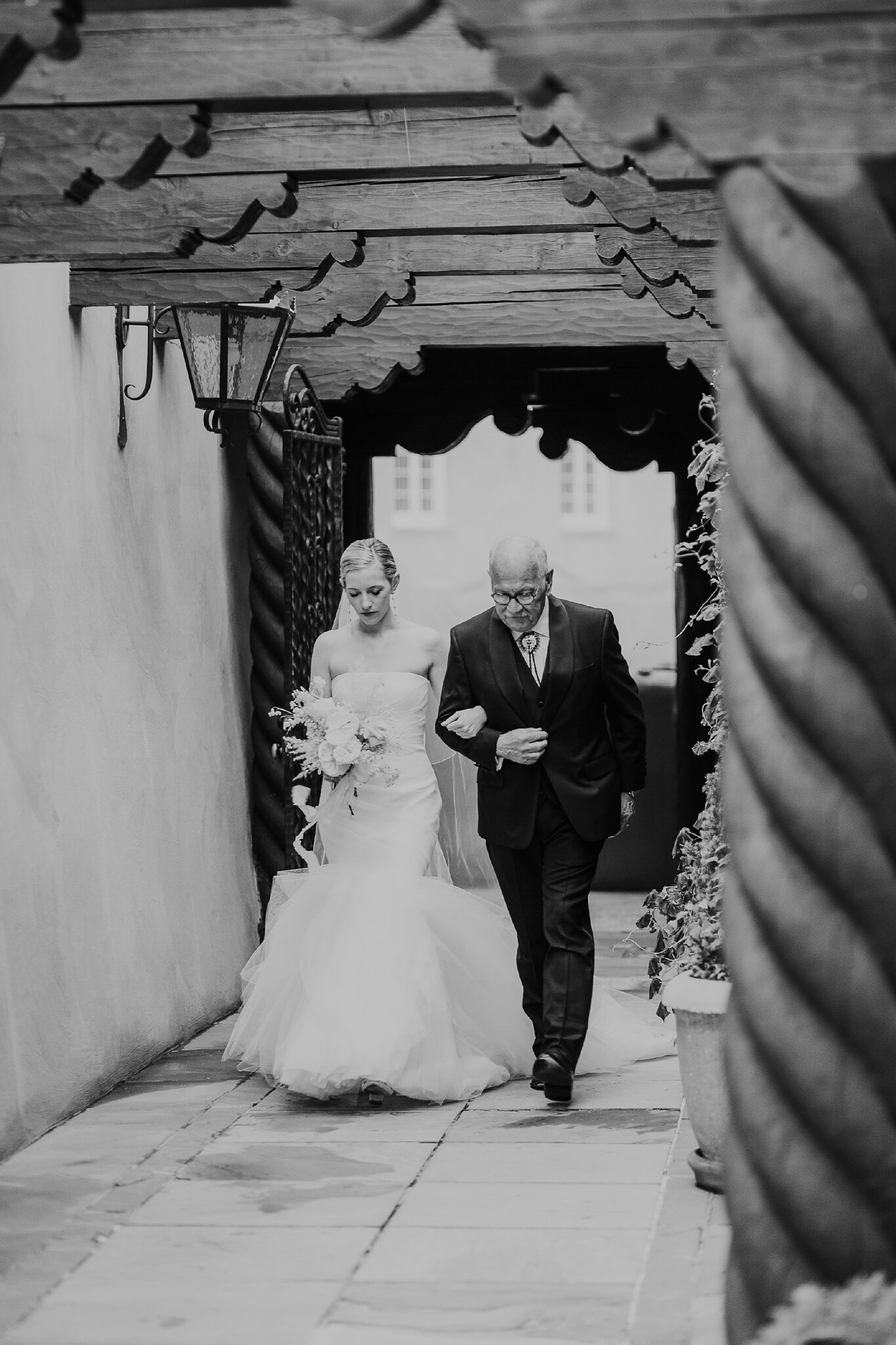 Alicia+lucia+photography+-+albuquerque+wedding+photographer+-+santa+fe+wedding+photography+-+new+mexico+wedding+photographer+-+new+mexico+wedding+-+la+fonda+wedding+-+la+fonda+on+the+plaza+-+santa+fe+wedding+-+brooklyn+bride_0045.jpg