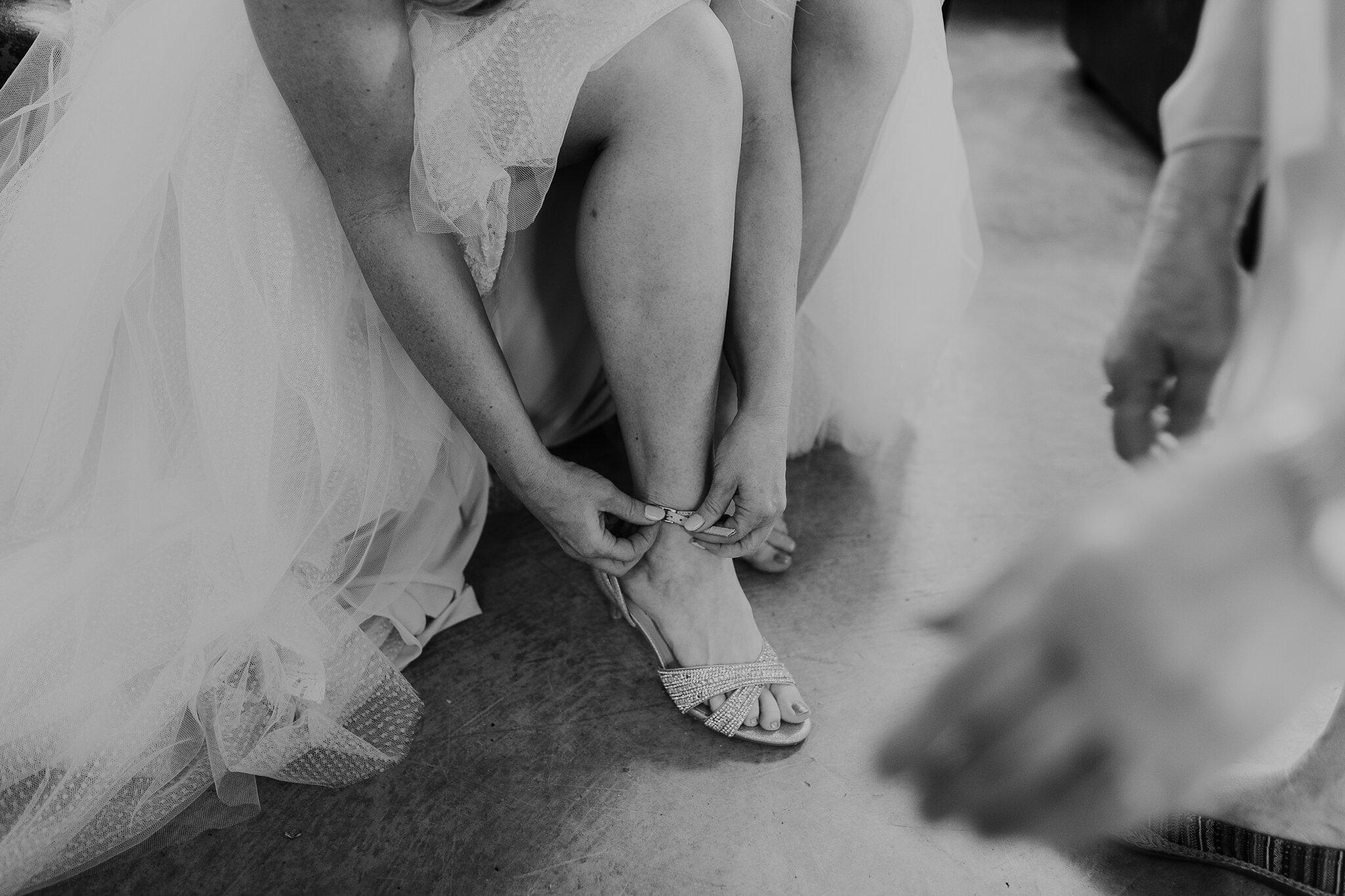 Alicia+lucia+photography+-+albuquerque+wedding+photographer+-+santa+fe+wedding+photography+-+new+mexico+wedding+photographer+-+new+mexico+wedding+-+wedding+-+santa+fe+wedding+-+ghost+ranch+-+ghost+ranch+wedding+-+fall+wedding_0011.jpg