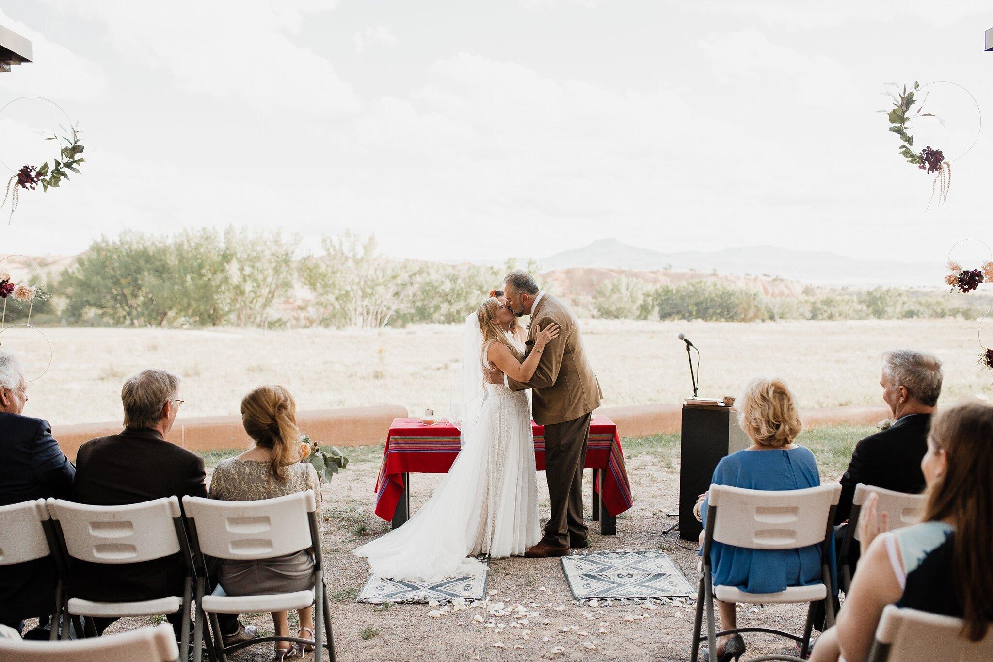 Alicia+lucia+photography+-+albuquerque+wedding+photographer+-+santa+fe+wedding+photography+-+new+mexico+wedding+photographer+-+new+mexico+wedding+-+wedding+-+santa+fe+wedding+-+ghost+ranch+-+ghost+ranch+wedding+-+fall+wedding_0037.jpg