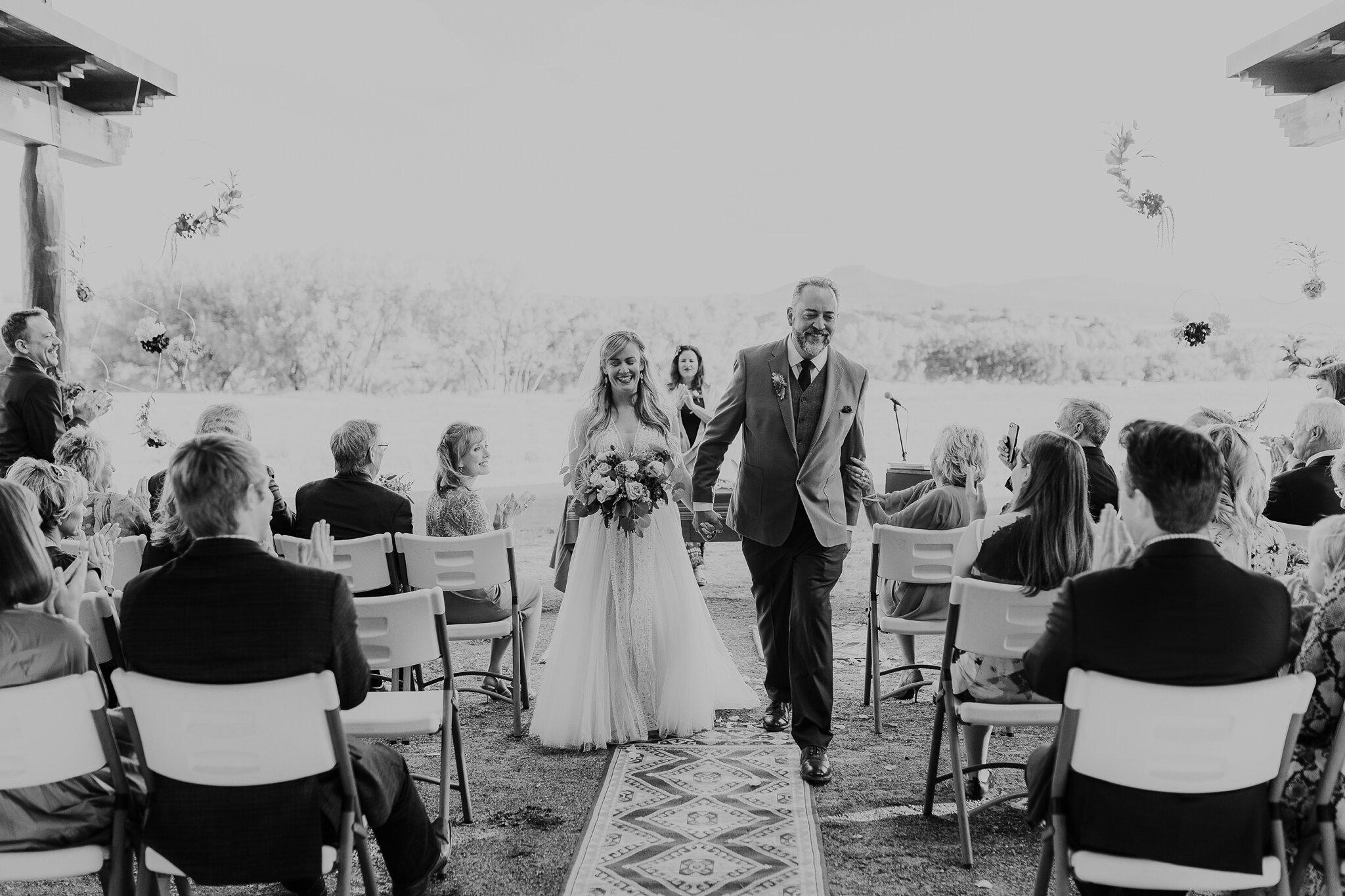 Alicia+lucia+photography+-+albuquerque+wedding+photographer+-+santa+fe+wedding+photography+-+new+mexico+wedding+photographer+-+new+mexico+wedding+-+wedding+-+santa+fe+wedding+-+ghost+ranch+-+ghost+ranch+wedding+-+fall+wedding_0039.jpg