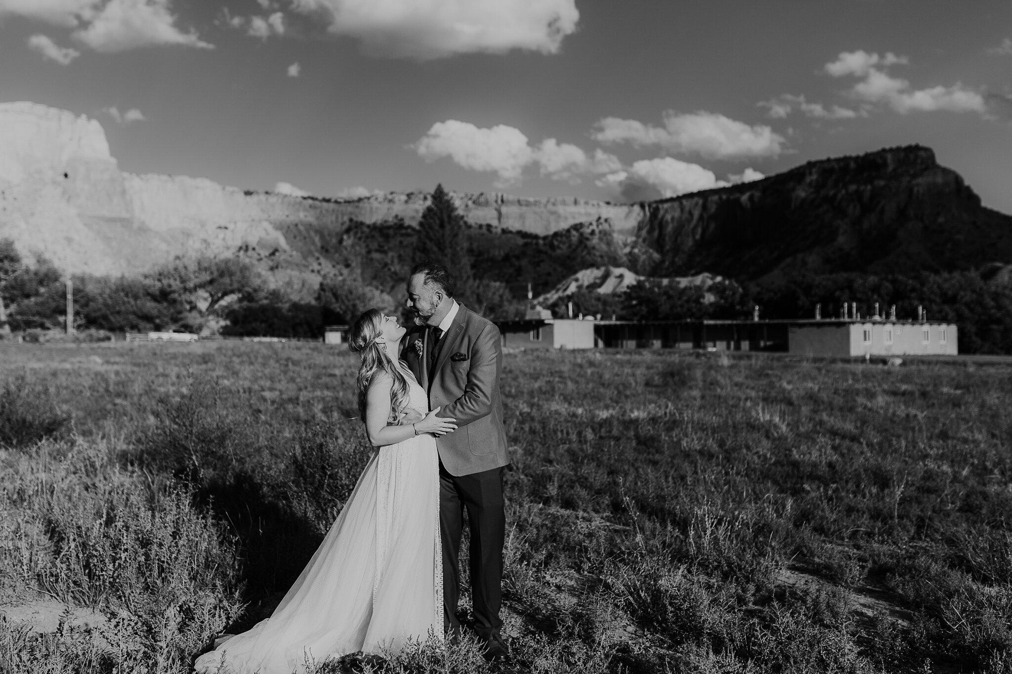Alicia+lucia+photography+-+albuquerque+wedding+photographer+-+santa+fe+wedding+photography+-+new+mexico+wedding+photographer+-+new+mexico+wedding+-+wedding+-+santa+fe+wedding+-+ghost+ranch+-+ghost+ranch+wedding+-+fall+wedding_0052.jpg