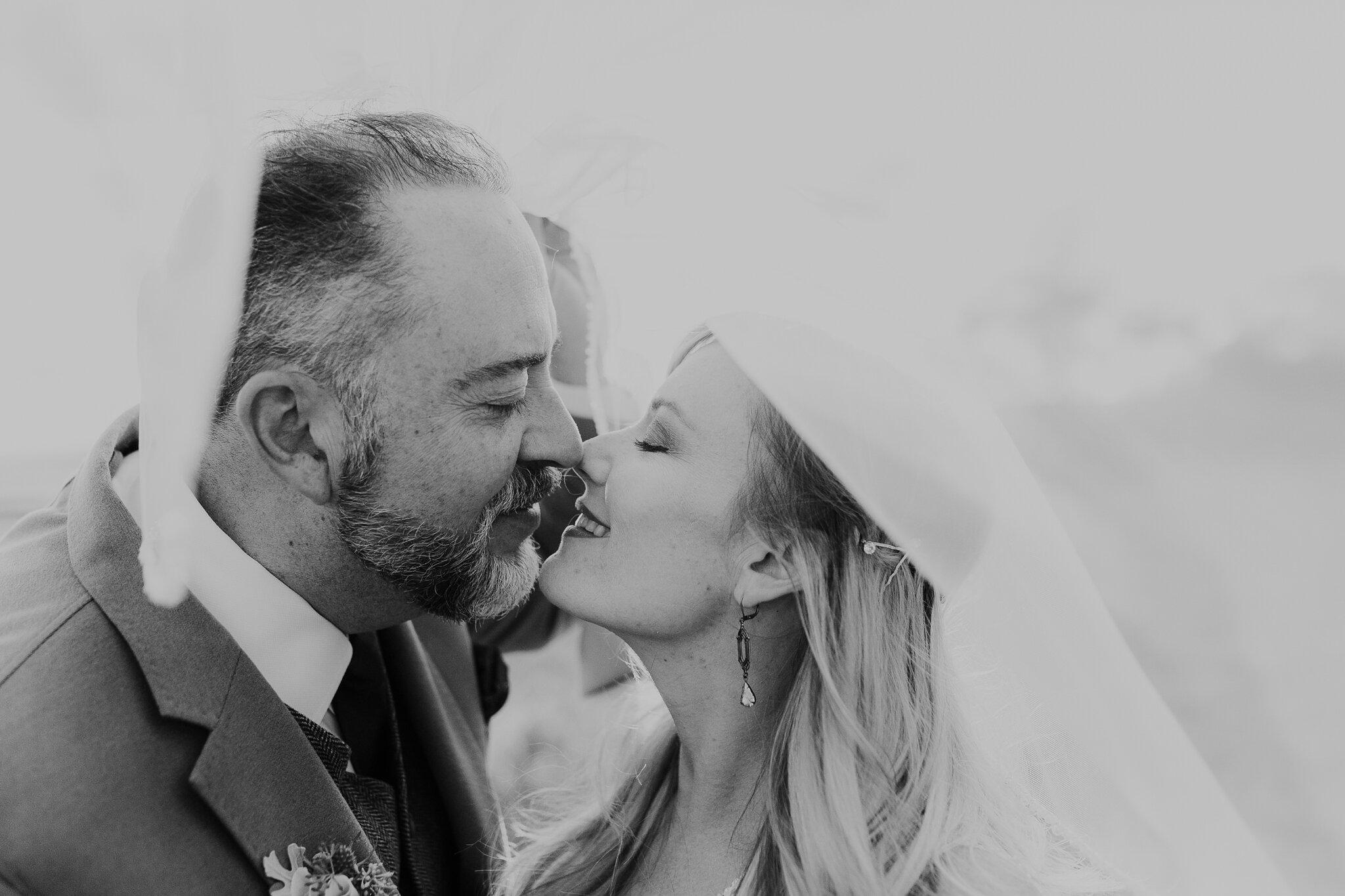 Alicia+lucia+photography+-+albuquerque+wedding+photographer+-+santa+fe+wedding+photography+-+new+mexico+wedding+photographer+-+new+mexico+wedding+-+wedding+-+santa+fe+wedding+-+ghost+ranch+-+ghost+ranch+wedding+-+fall+wedding_0054.jpg