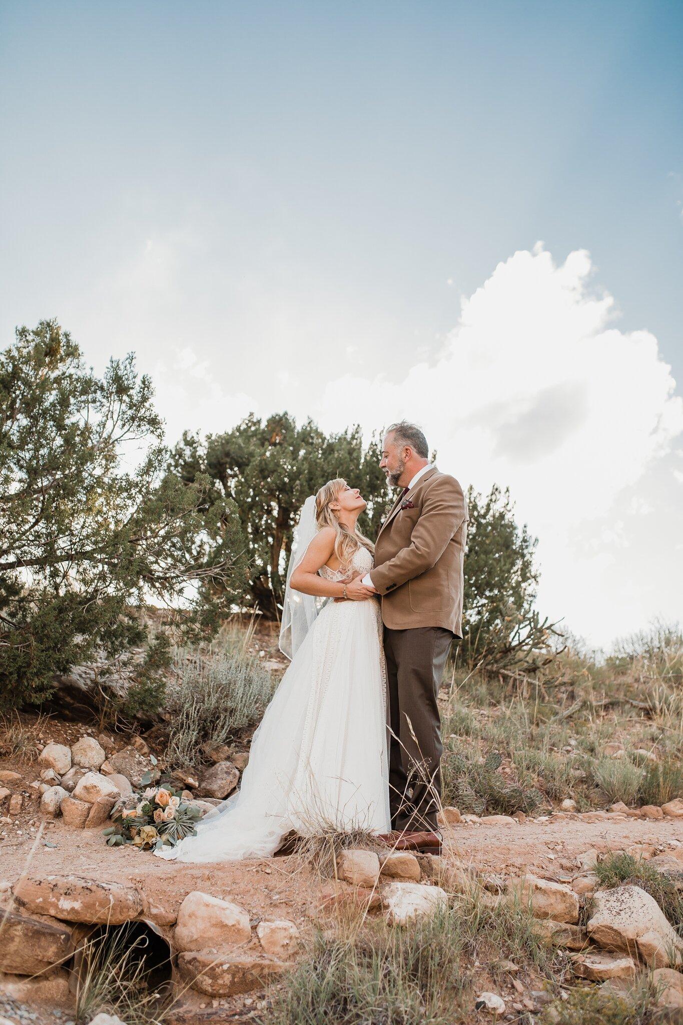 Alicia+lucia+photography+-+albuquerque+wedding+photographer+-+santa+fe+wedding+photography+-+new+mexico+wedding+photographer+-+new+mexico+wedding+-+wedding+-+santa+fe+wedding+-+ghost+ranch+-+ghost+ranch+wedding+-+fall+wedding_0059.jpg