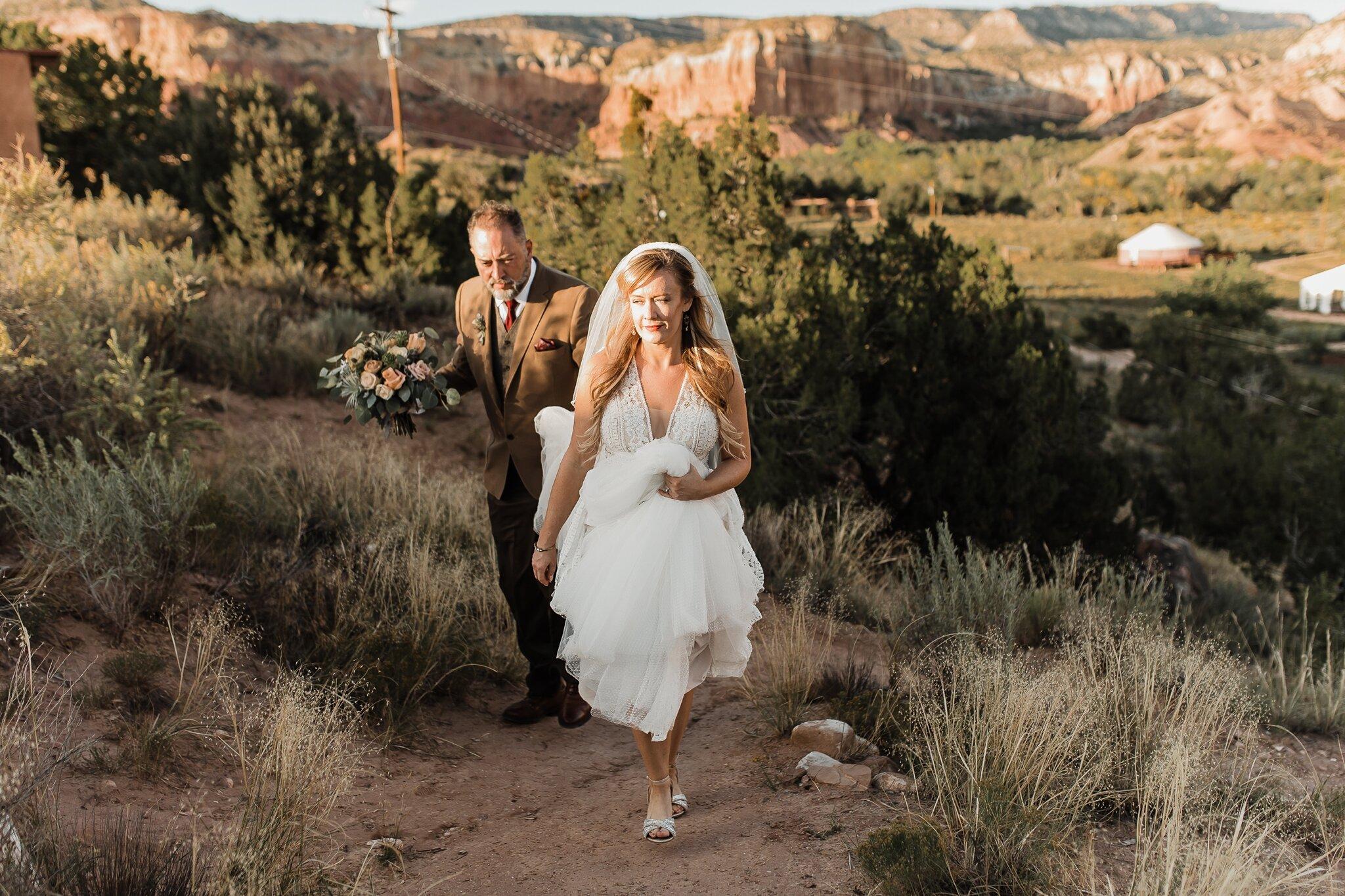 Alicia+lucia+photography+-+albuquerque+wedding+photographer+-+santa+fe+wedding+photography+-+new+mexico+wedding+photographer+-+new+mexico+wedding+-+wedding+-+santa+fe+wedding+-+ghost+ranch+-+ghost+ranch+wedding+-+fall+wedding_0062.jpg