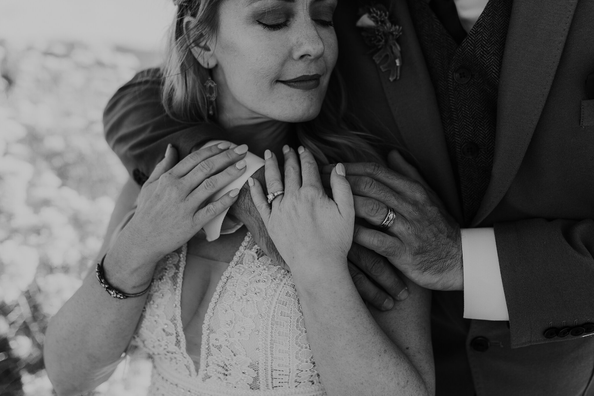 Alicia+lucia+photography+-+albuquerque+wedding+photographer+-+santa+fe+wedding+photography+-+new+mexico+wedding+photographer+-+new+mexico+wedding+-+wedding+-+santa+fe+wedding+-+ghost+ranch+-+ghost+ranch+wedding+-+fall+wedding_0066.jpg