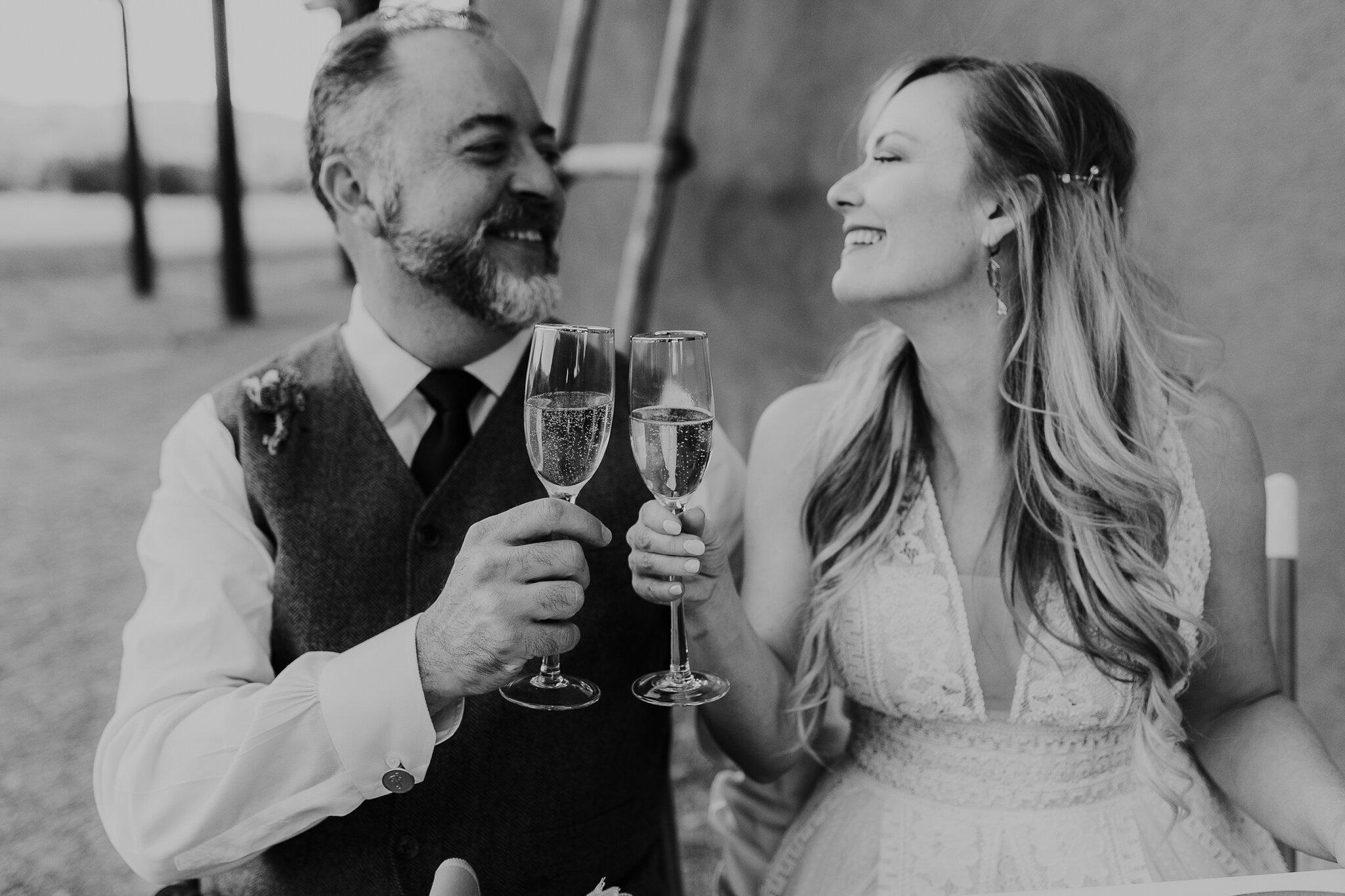 Alicia+lucia+photography+-+albuquerque+wedding+photographer+-+santa+fe+wedding+photography+-+new+mexico+wedding+photographer+-+new+mexico+wedding+-+wedding+-+santa+fe+wedding+-+ghost+ranch+-+ghost+ranch+wedding+-+fall+wedding_0076.jpg