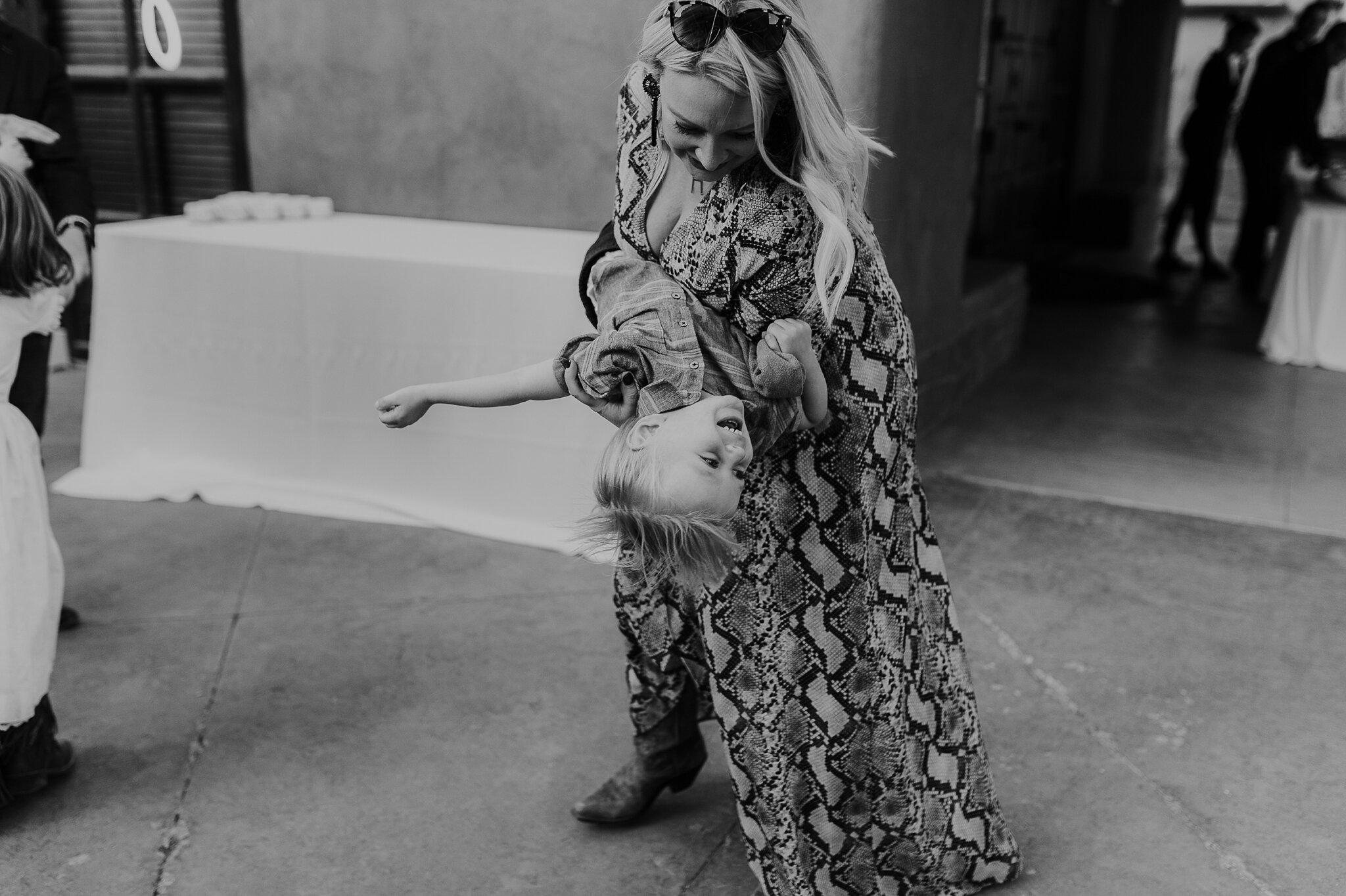 Alicia+lucia+photography+-+albuquerque+wedding+photographer+-+santa+fe+wedding+photography+-+new+mexico+wedding+photographer+-+new+mexico+wedding+-+wedding+-+santa+fe+wedding+-+ghost+ranch+-+ghost+ranch+wedding+-+fall+wedding_0091.jpg