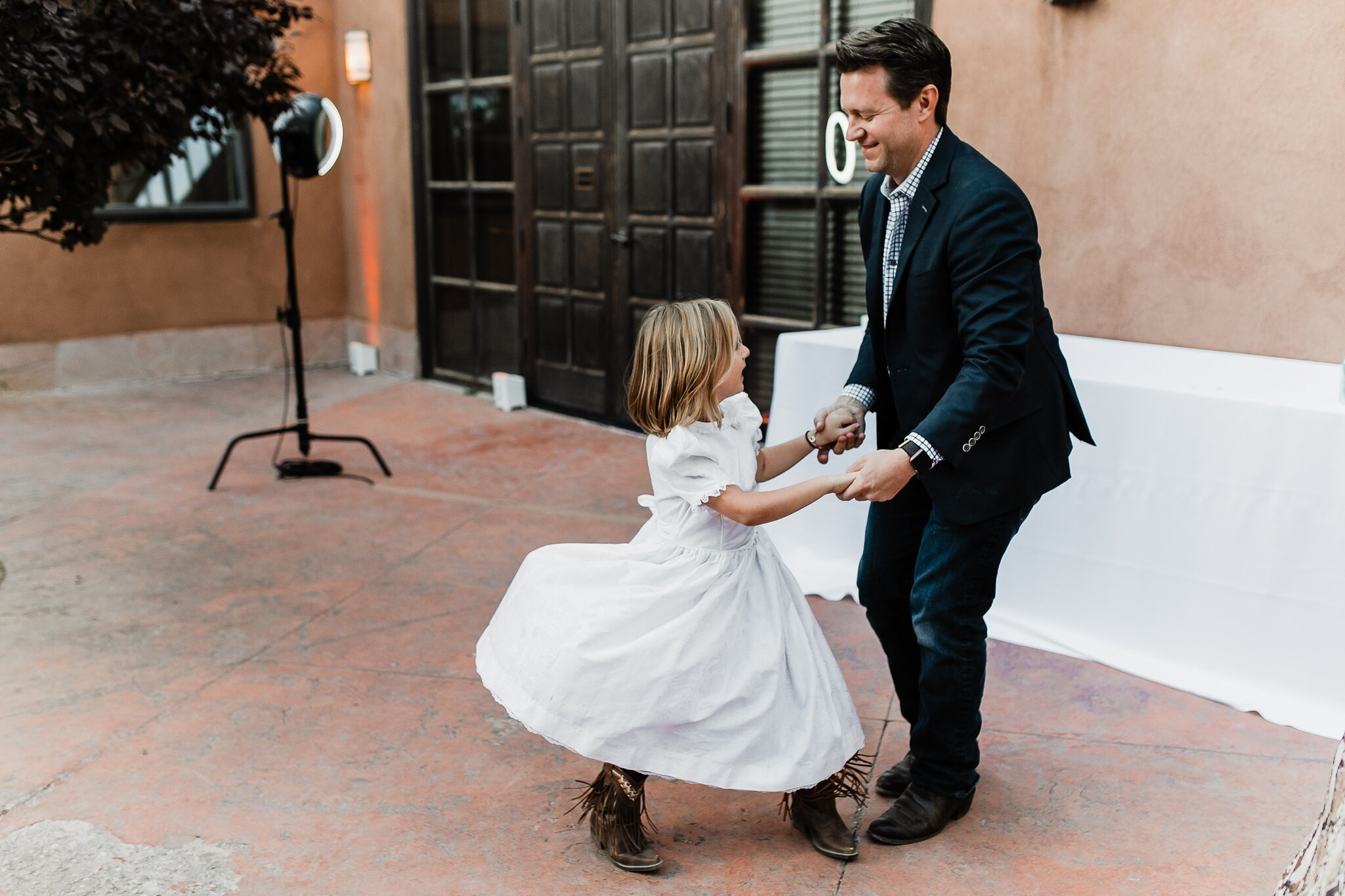 Alicia+lucia+photography+-+albuquerque+wedding+photographer+-+santa+fe+wedding+photography+-+new+mexico+wedding+photographer+-+new+mexico+wedding+-+wedding+-+santa+fe+wedding+-+ghost+ranch+-+ghost+ranch+wedding+-+fall+wedding_0092.jpg