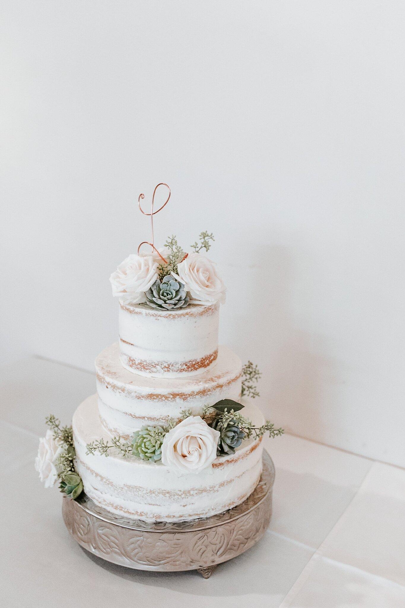 Alicia+lucia+photography+-+albuquerque+wedding+photographer+-+santa+fe+wedding+photography+-+new+mexico+wedding+photographer+-+new+mexico+wedding+-+wedding+-+wedding+cakes+-+flroal+cake+-+santa+fe+cake+-+santa+fe+baker_0006.jpg