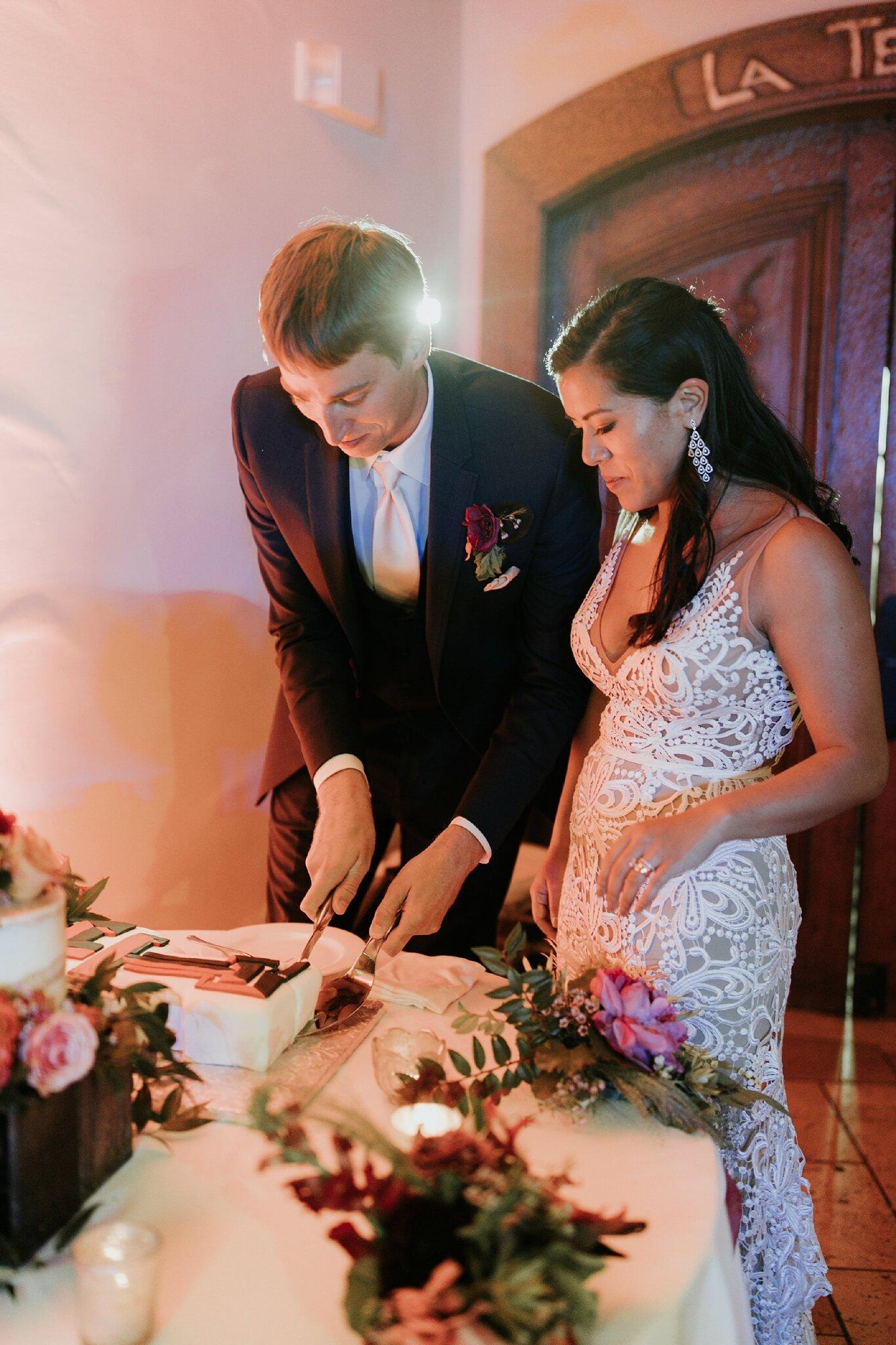 Alicia+lucia+photography+-+albuquerque+wedding+photographer+-+santa+fe+wedding+photography+-+new+mexico+wedding+photographer+-+new+mexico+wedding+-+wedding+-+wedding+cakes+-+flroal+cake+-+santa+fe+cake+-+santa+fe+baker_0017.jpg