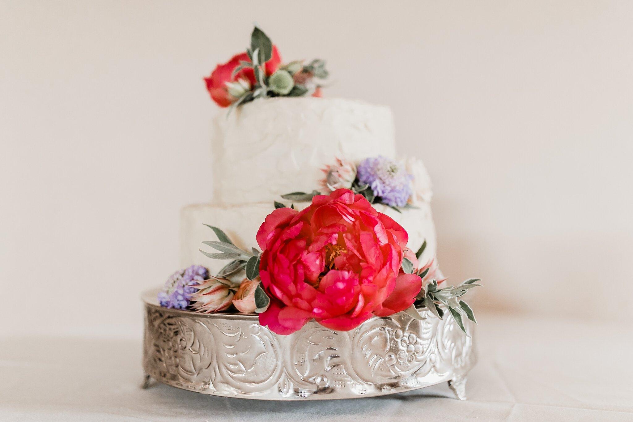 Alicia+lucia+photography+-+albuquerque+wedding+photographer+-+santa+fe+wedding+photography+-+new+mexico+wedding+photographer+-+new+mexico+wedding+-+wedding+-+wedding+cakes+-+flroal+cake+-+santa+fe+cake+-+santa+fe+baker_0024.jpg