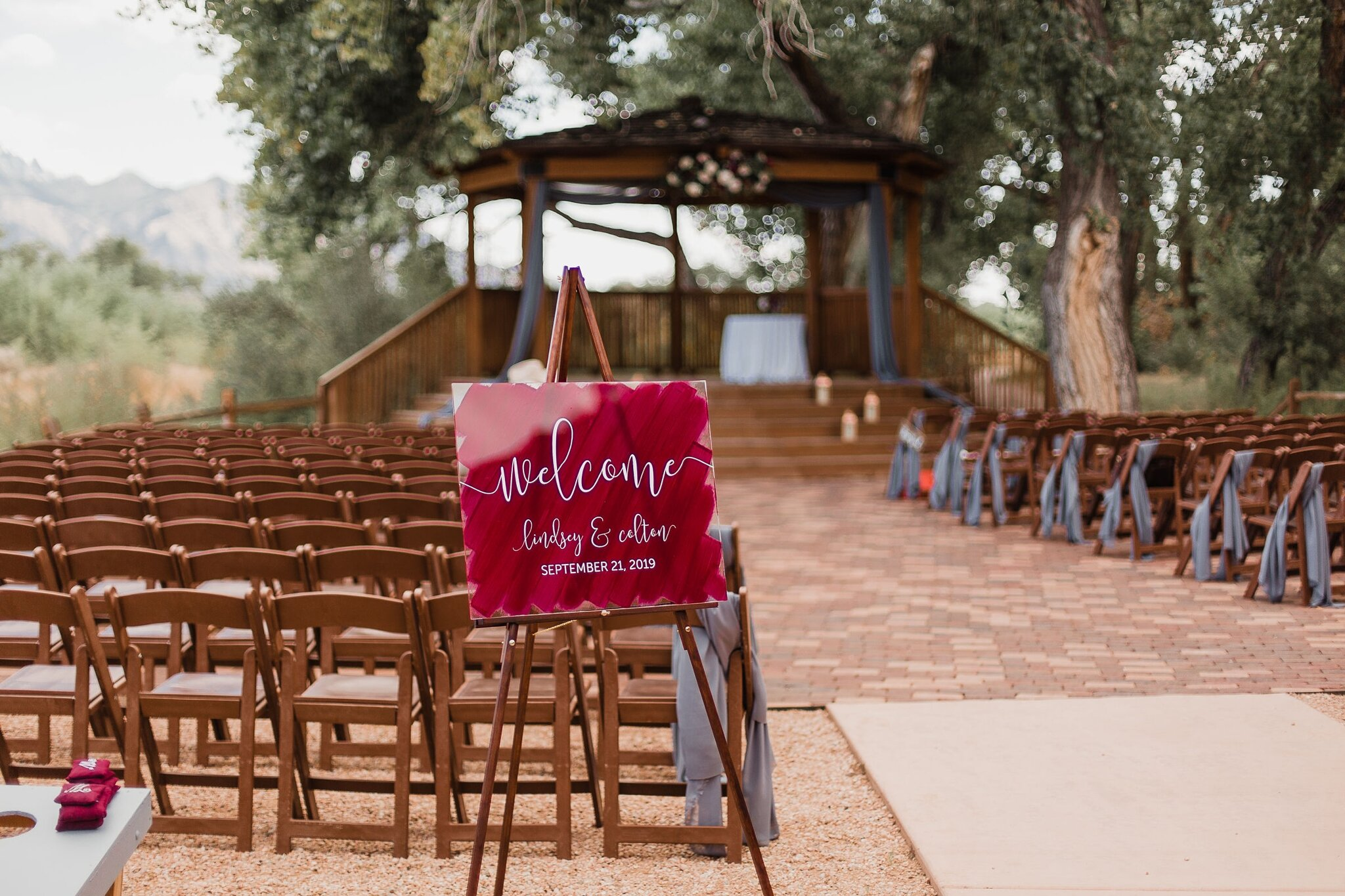 Alicia+lucia+photography+-+albuquerque+wedding+photographer+-+santa+fe+wedding+photography+-+new+mexico+wedding+photographer+-+new+mexico+wedding+-+wedding+signage+-+wedding+signs+-+glass+wedding+signs_0010.jpg