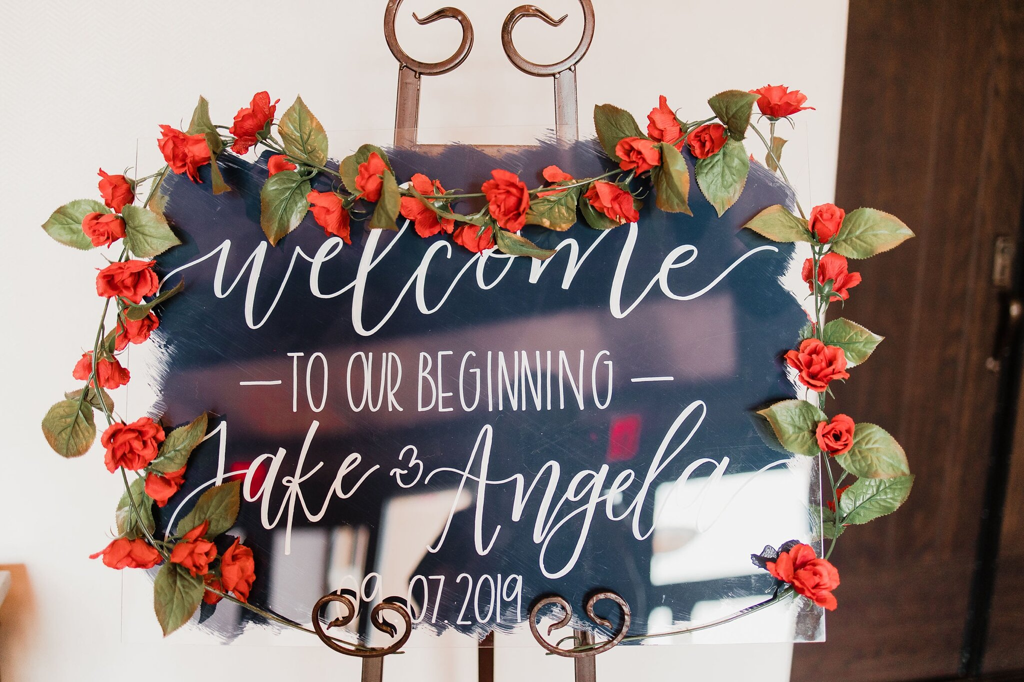 Alicia+lucia+photography+-+albuquerque+wedding+photographer+-+santa+fe+wedding+photography+-+new+mexico+wedding+photographer+-+new+mexico+wedding+-+wedding+signage+-+wedding+signs+-+glass+wedding+signs_0019.jpg