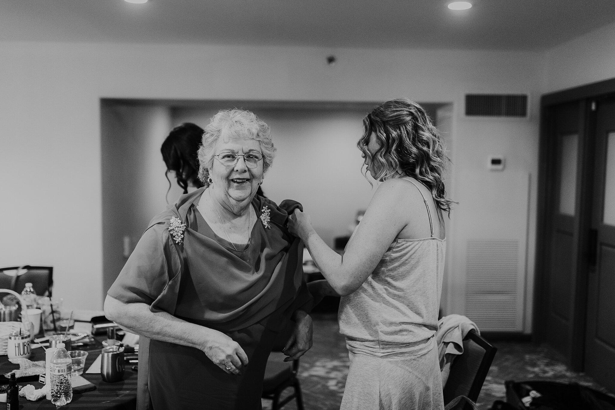 Alicia+lucia+photography+-+albuquerque+wedding+photographer+-+santa+fe+wedding+photography+-+new+mexico+wedding+photographer+-+new+mexico+wedding+-+hyatt+tamaya+wedding+-+washington+bride+-+fall+wedding+-+albuquerque+wedding_0017.jpg