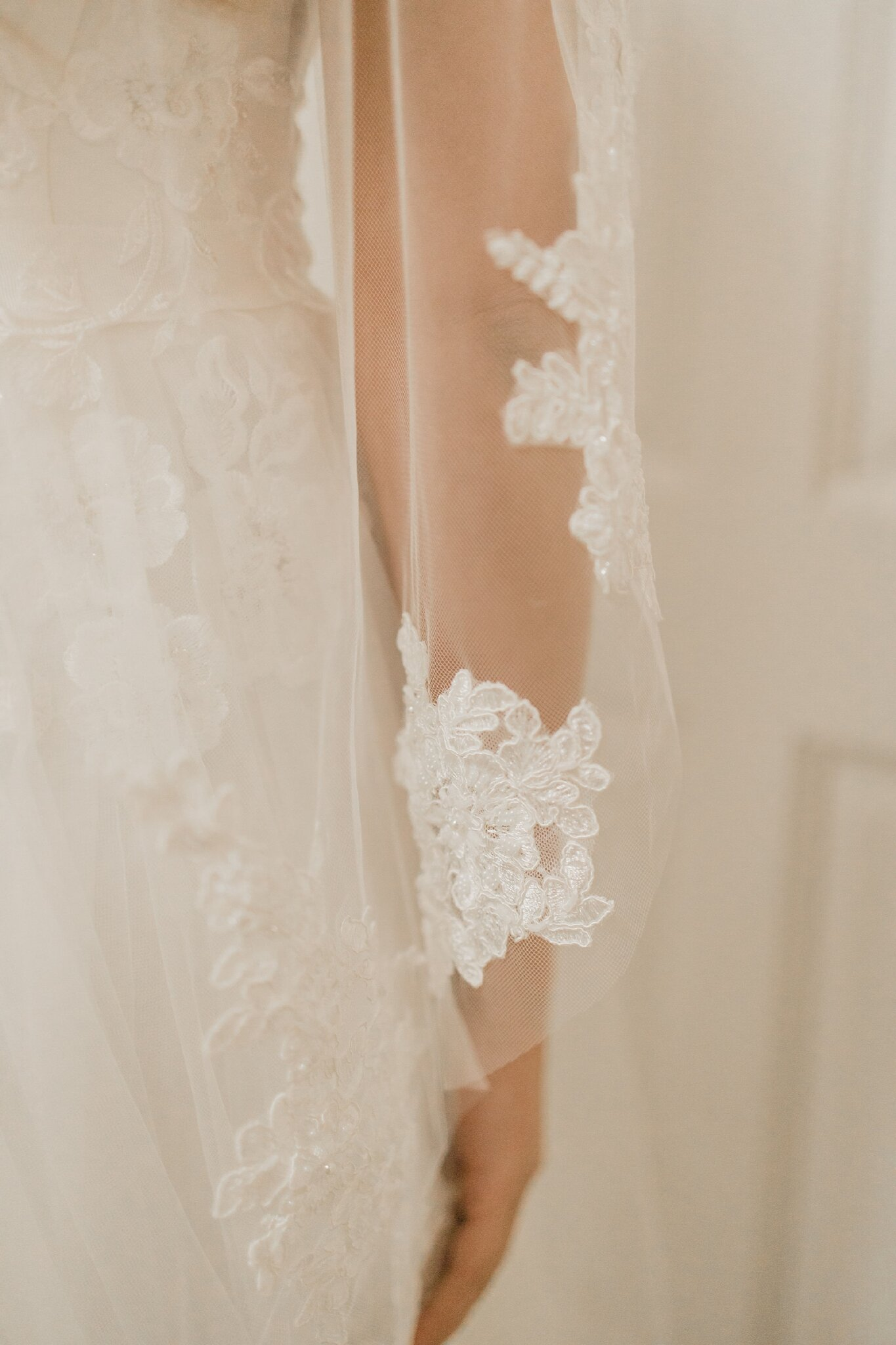 Bhldn Wedding Blog Alicia Lucia Photography Albuquerque And
