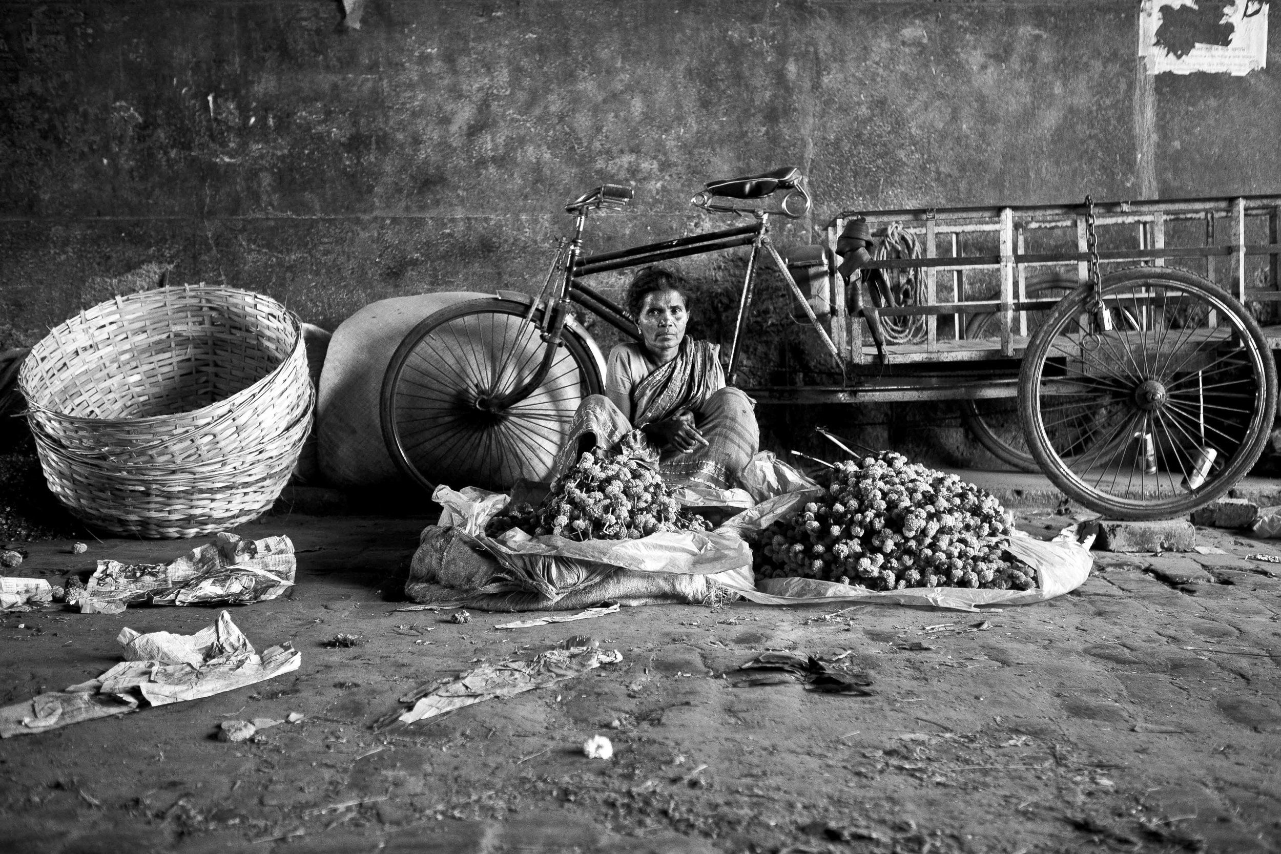 Flower seller, Howrah flower market.                                                                                                                                    © Kelly Smith