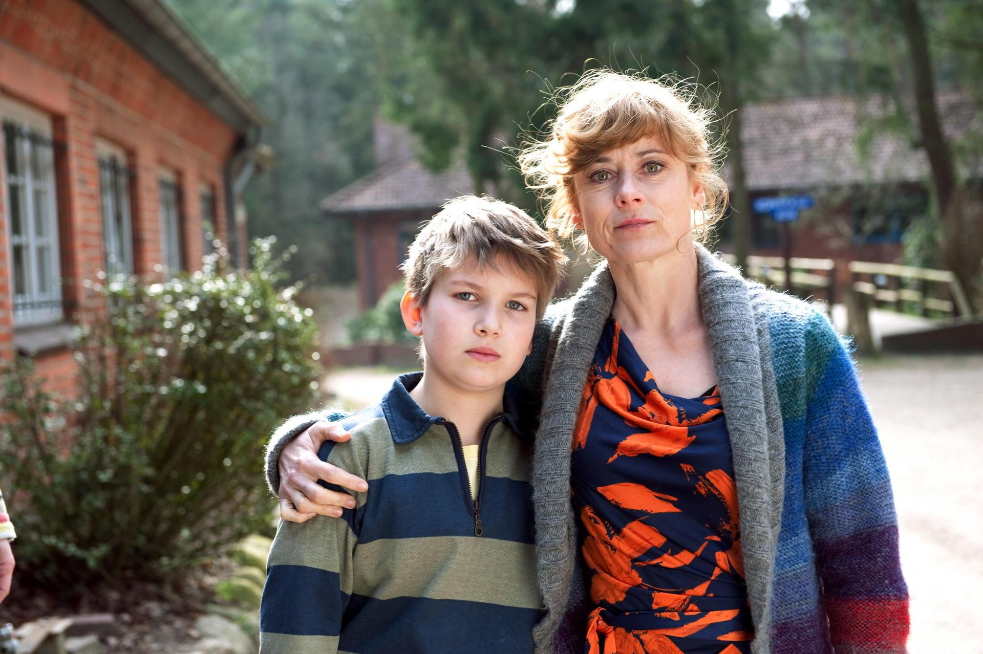 Heike Jansen (Inka Friedrich) und ihr Sohn Sebastian (Luke Vogelbein) können die Passion des Vaters nicht teilen