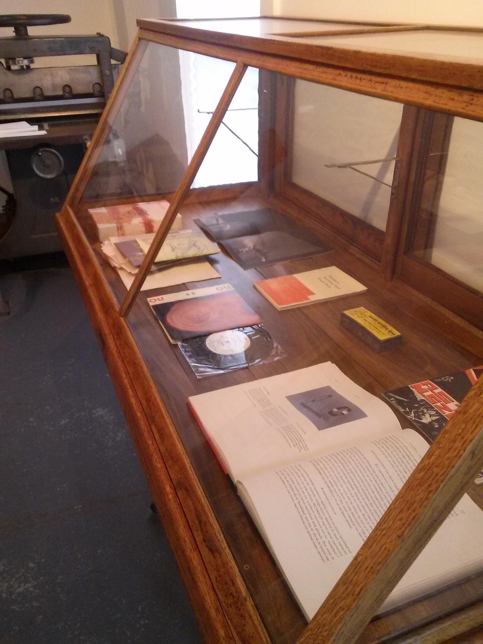vitrine1.jpg