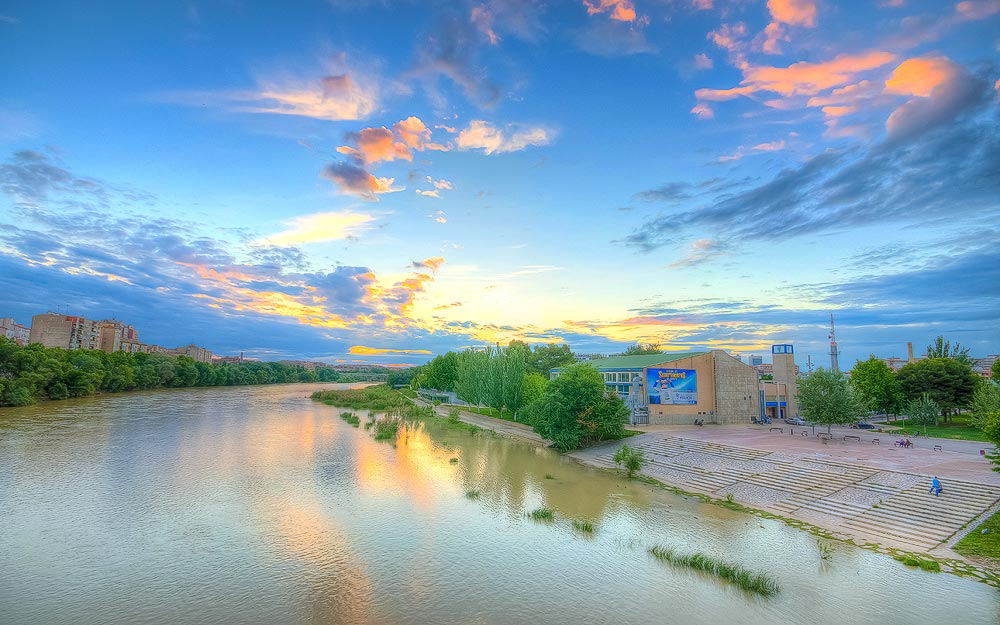 The Famous Ebro river is always smiling at sunset - Zaragoza