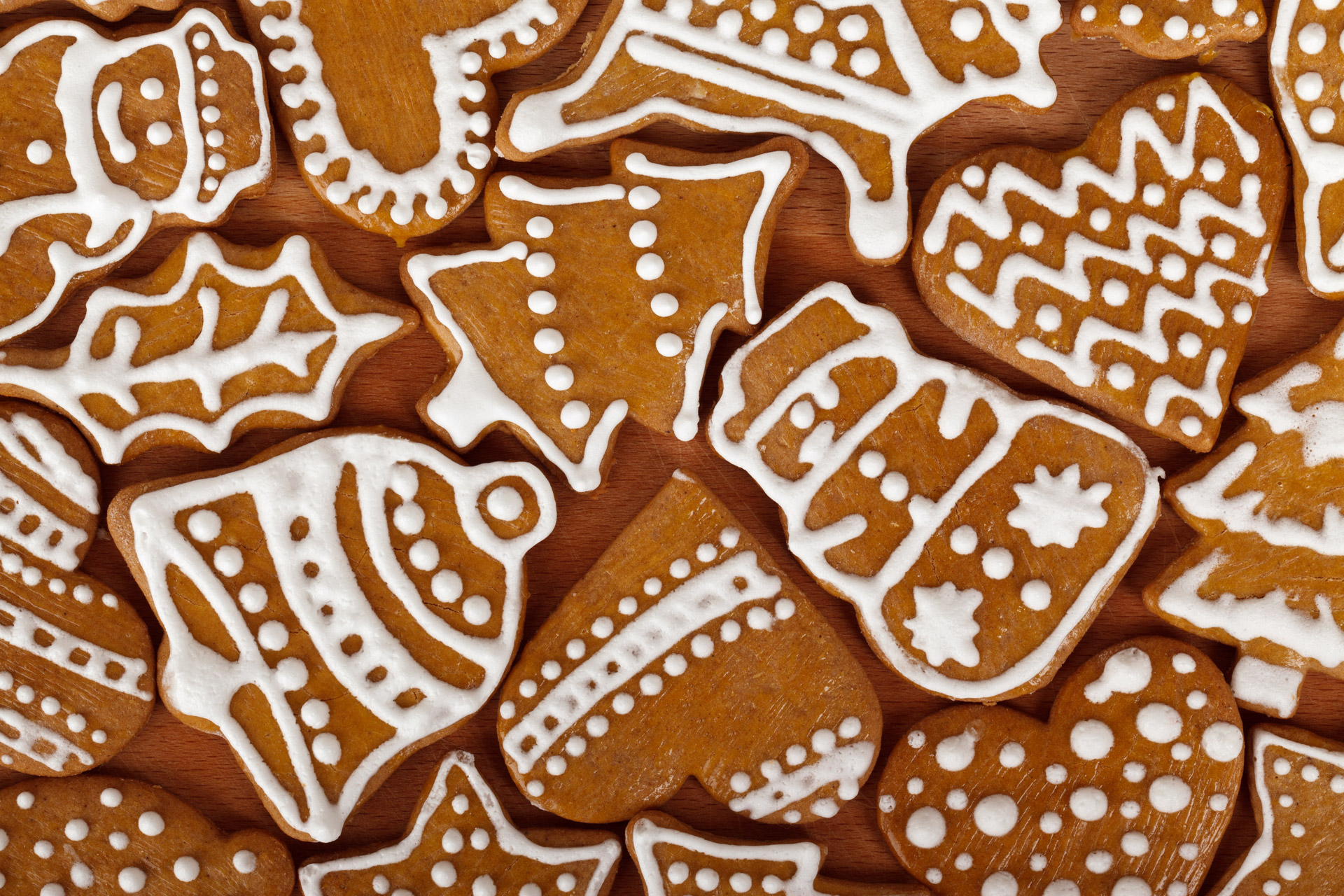christmas-gingerbread-shapes.jpg