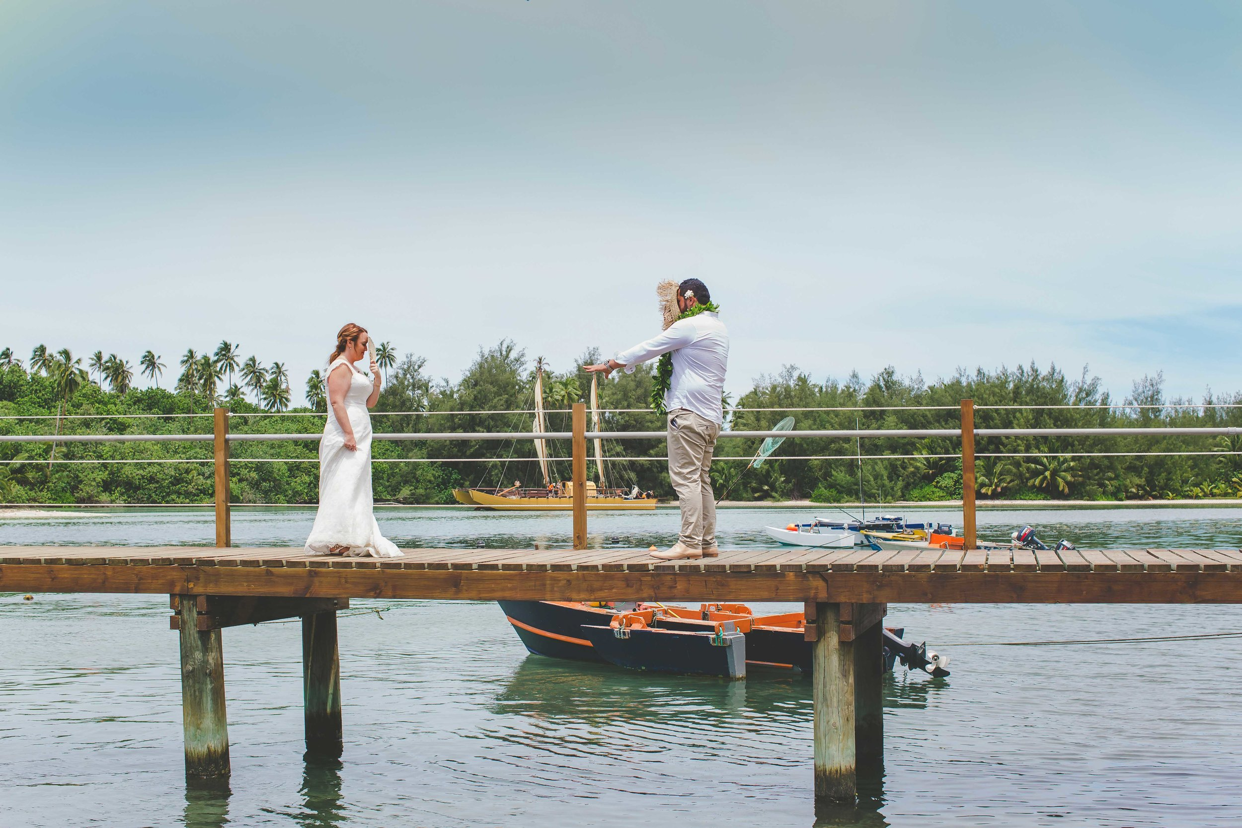 Rarotonga wedding first look