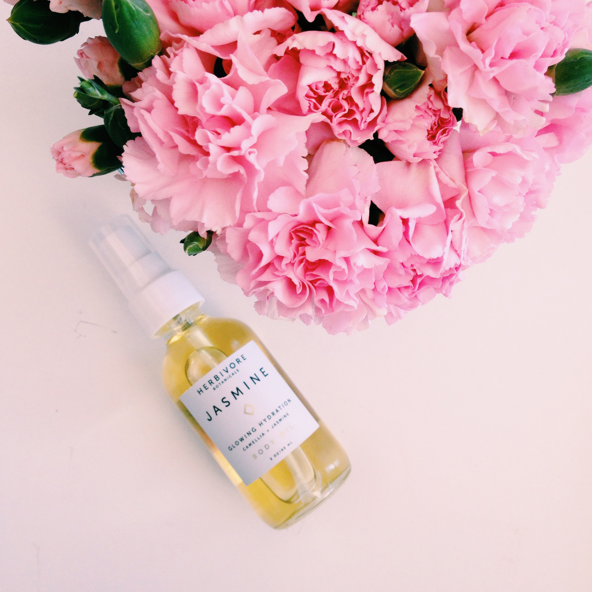 This  Jasmine Body Oil  from Herbivore Botanicals , makes the skin feel so smooth! Seriously, I didn't know what hydration was until this body oil showed me what's what. If you catch me smelling my forearm on the train, it's because I'm addicted to this Jasmine scent.