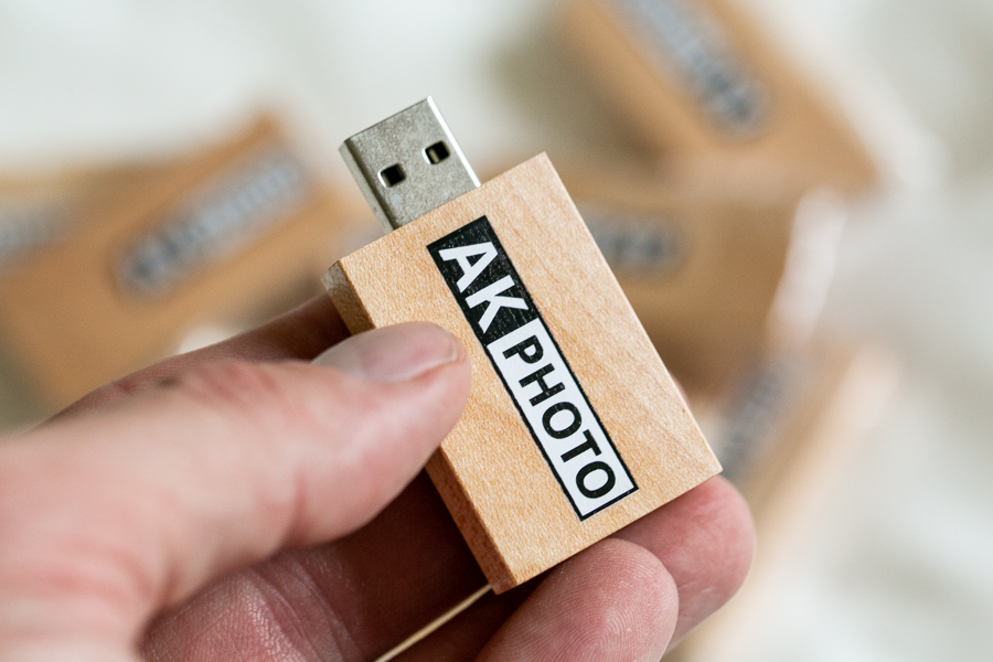 akphoto-usbmemorydirect-USB-branded-storage-3.jpg