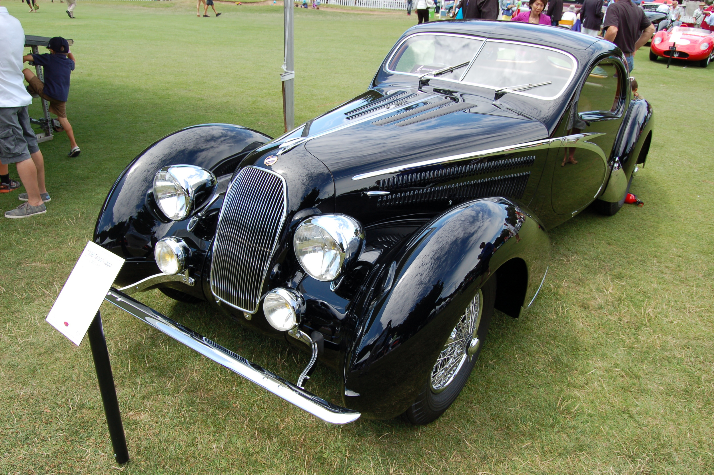 The 1938 Talbot-Lago T150-C Speciale Teardrop Coupe by Figoni et Falaschi that won 2014 Best of Show.