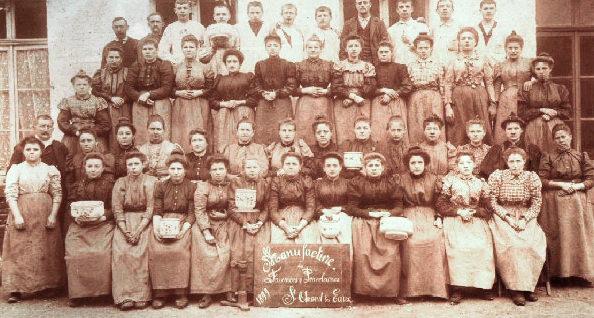 Faiencerie Saint-Amand - Ouvrières et ouvriers - 1899